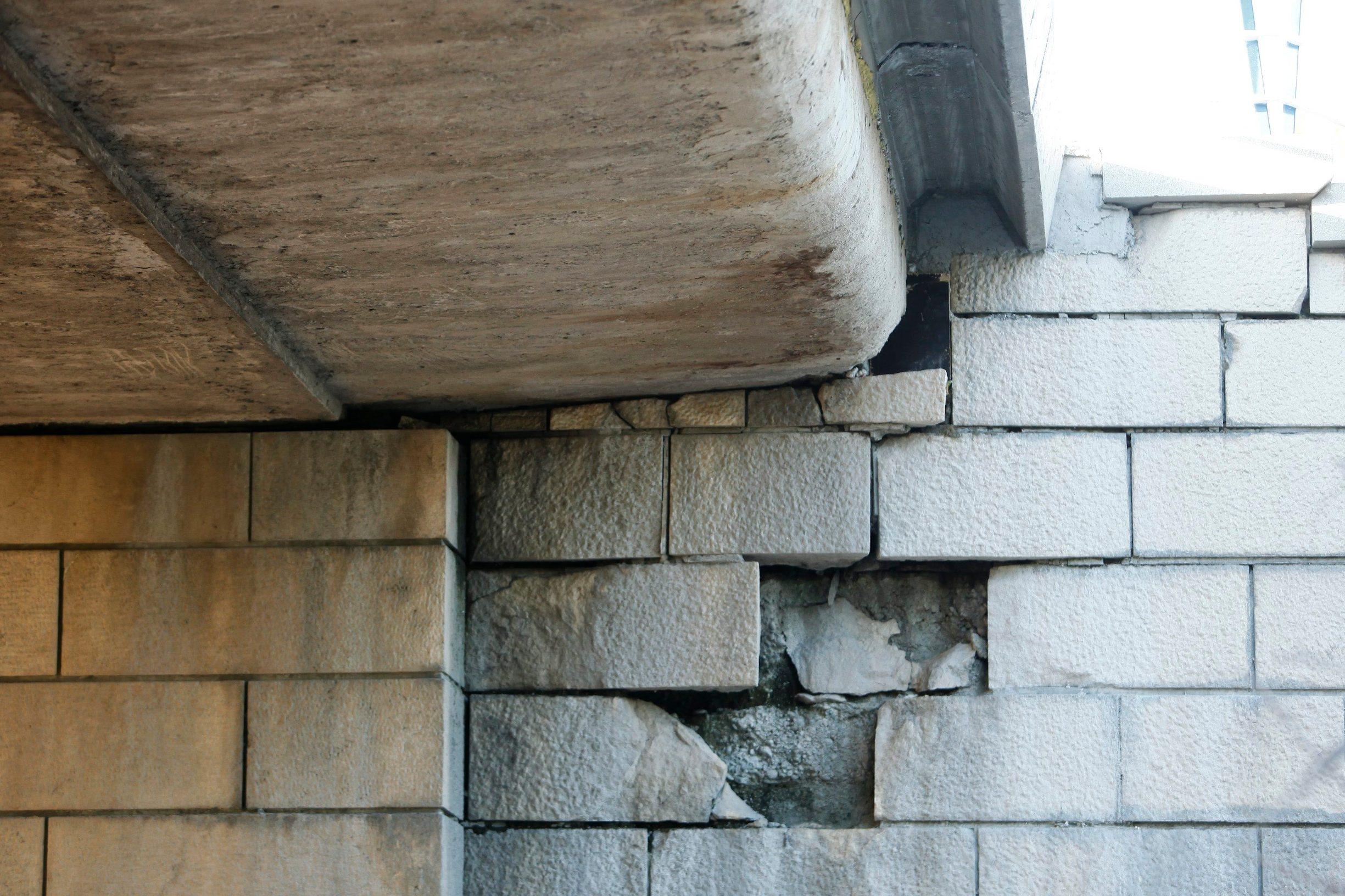 Zagreb, 151019. Most slobode. Radovi na Mostu slobode, zavrsena je obnova gornjeg djela mosta a jos se radi na obnovi nosive konstrukcije. Foto: Zeljko Puhovski / CROPIX