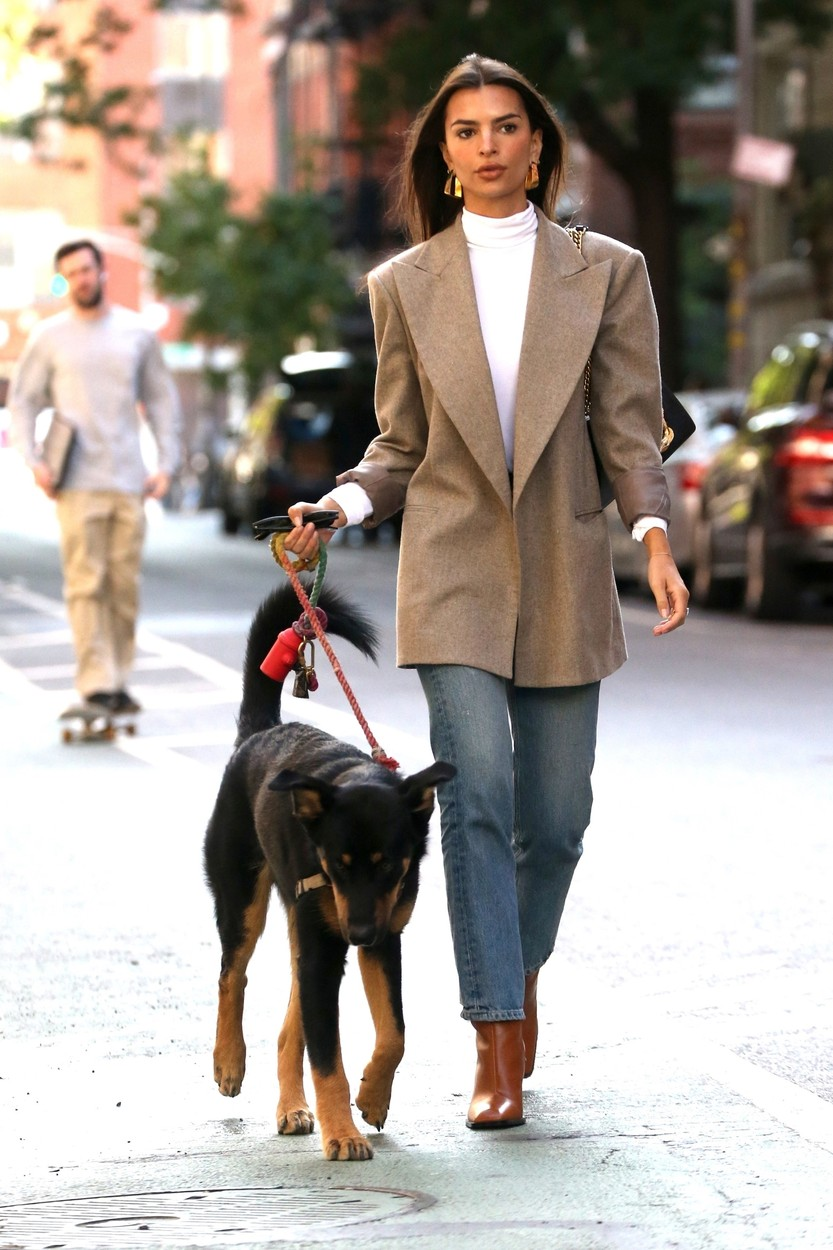 New York, NY  - Emily Ratajkowski sips on a cup of coffee while out taking her beloved dog, Columbo out for a walk in New York today.  *UK Clients - Pictures Containing Children Please Pixelate Face Prior To Publication*, Image: 476064180, License: Rights-managed, Restrictions: , Model Release: no, Credit line: DARA / BACKGRID / Backgrid USA / Profimedia