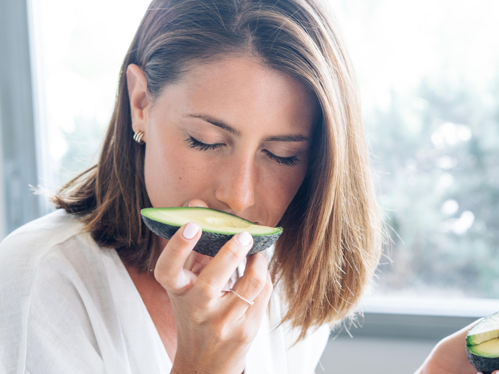 Avokado zaista može učiniti čuda za sve aspekte našeg zdravlja i zato zaslužuje svoje mjesto na tanjuru.