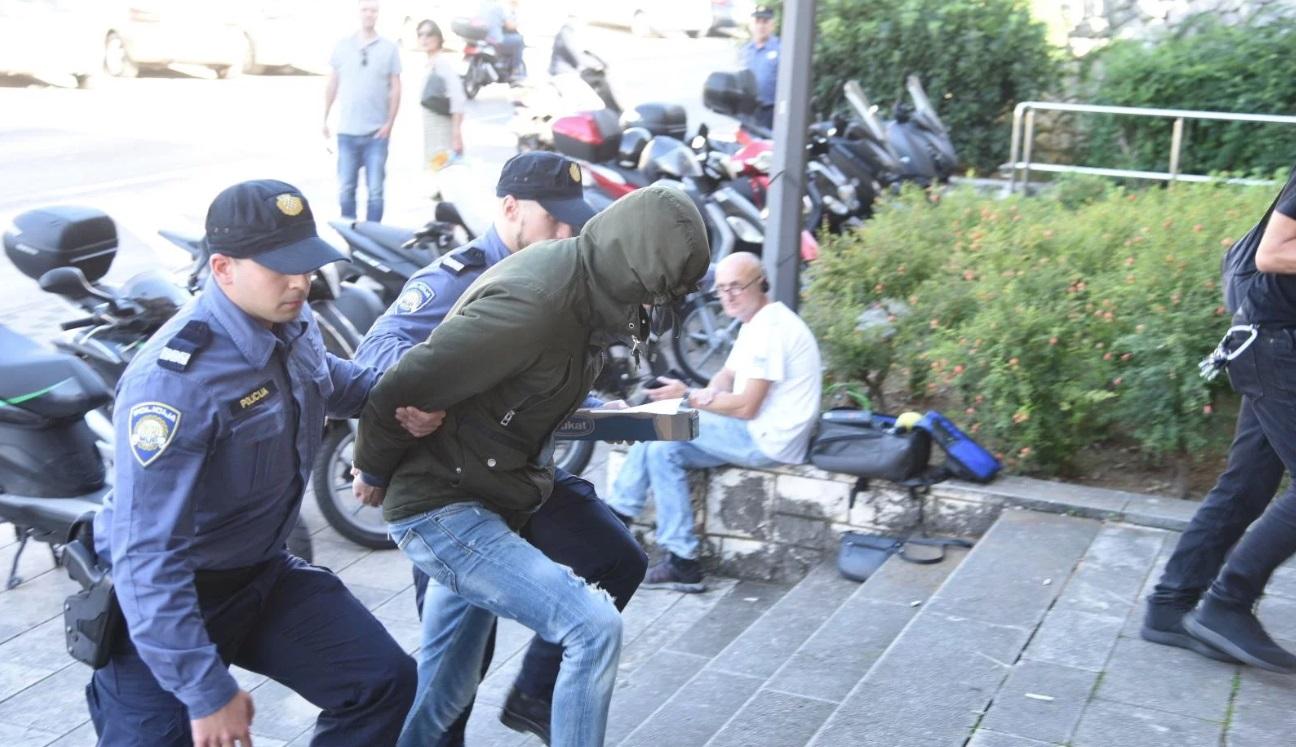 Privedeni otac i sin osumnjičeni za pljačku u Dubrovniku