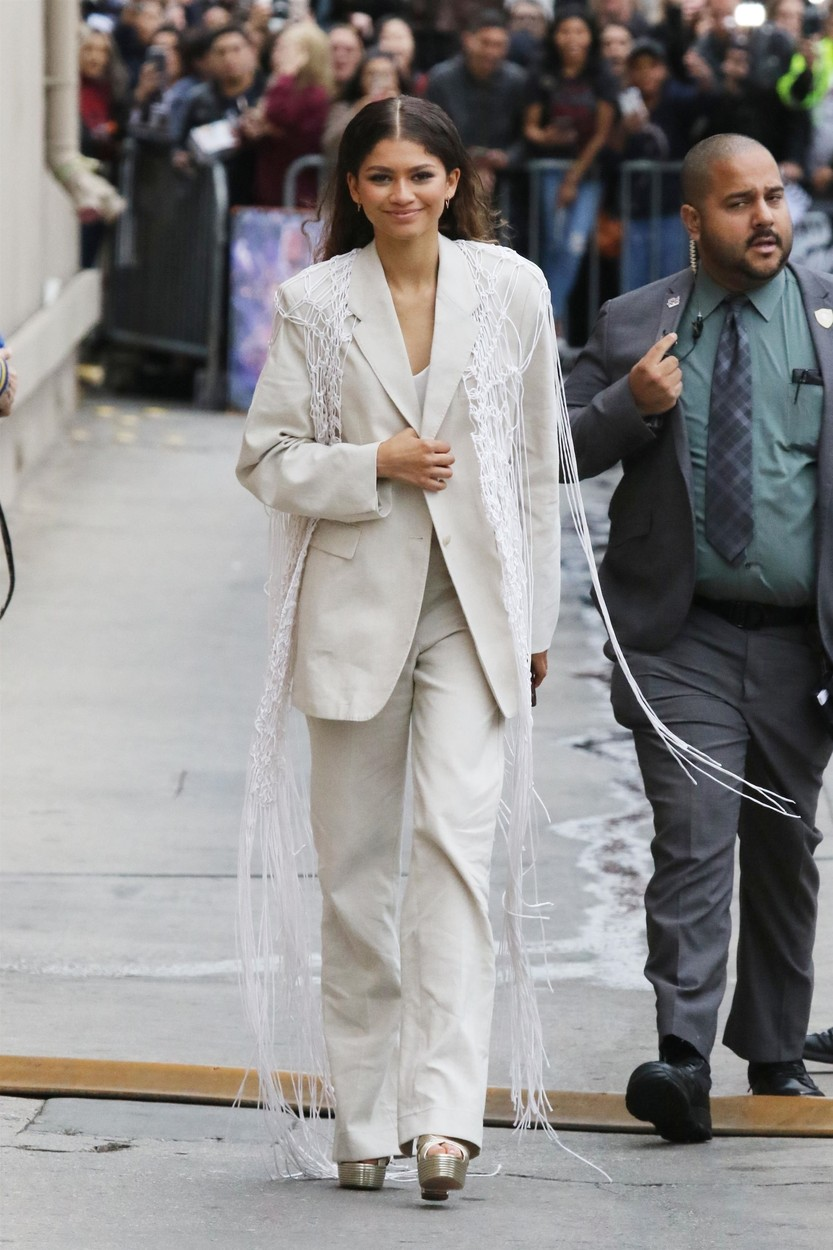 Hollywood, CA  - Zendaya greets fans as she leaves Jimmy Kimmel Live! in Hollywood.  Pictured: Zendaya  BACKGRID USA 9 MAY 2019, Image: 432121462, License: Rights-managed, Restrictions: , Model Release: no, Credit line: Phamous / BACKGRID / Backgrid USA / Profimedia
