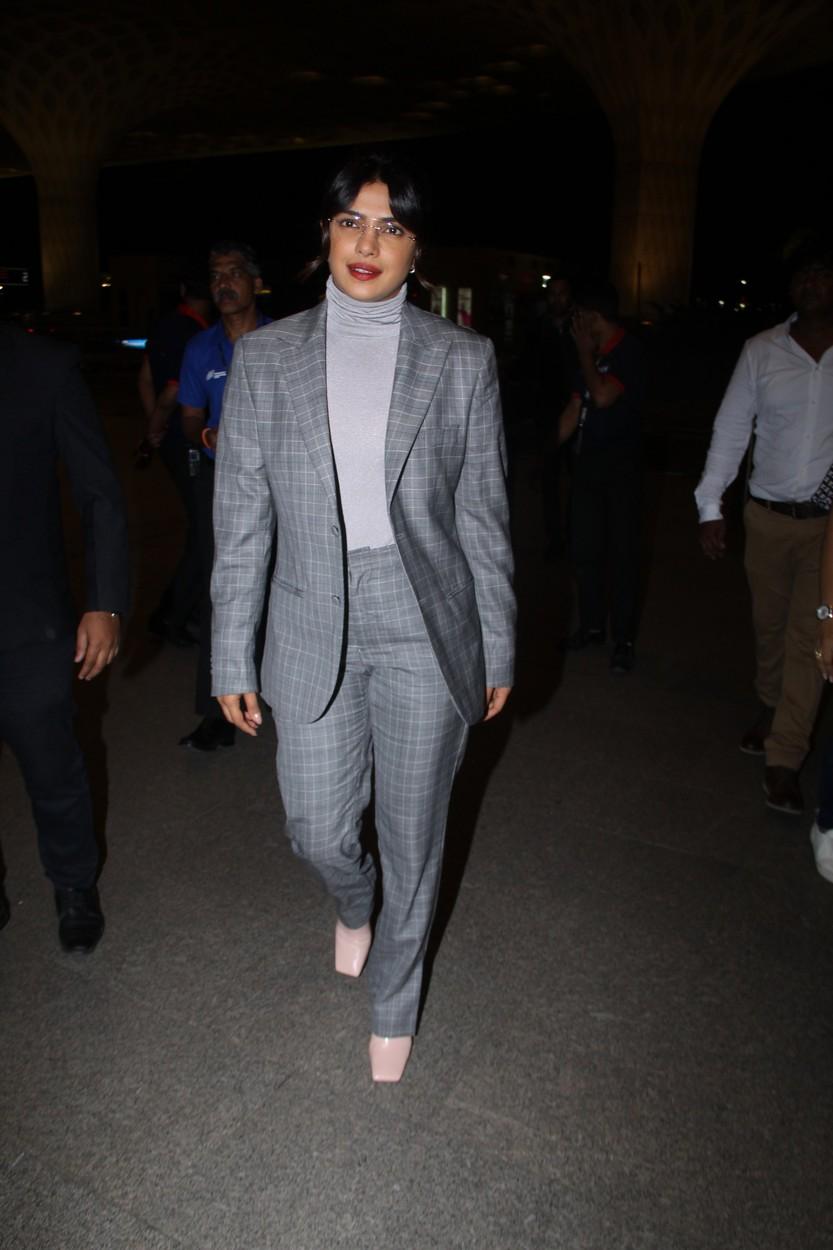 Priyanka Chopra seen at Mumbai airport. 07 Oct 2019, Image: 475419105, License: Rights-managed, Restrictions: World Rights, Model Release: no, Credit line: Varinder Chawla / MEGA / Mega Agency / Profimedia