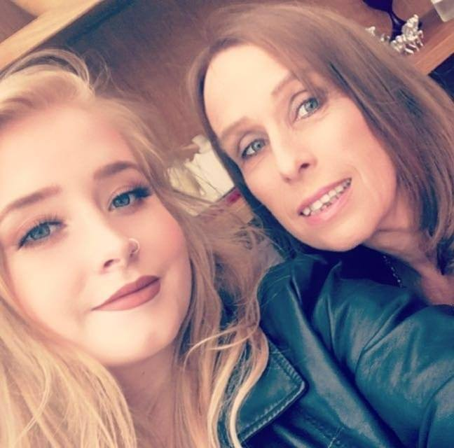 Lindsay i Mandy Bone