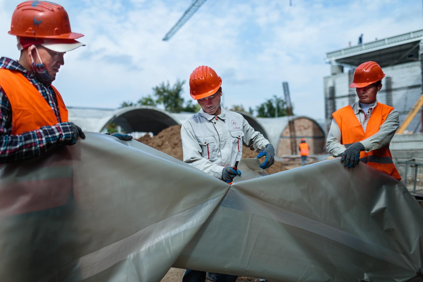 Radnici iz Vijetnama rade na gradilištu u pregrađu Bukurešta