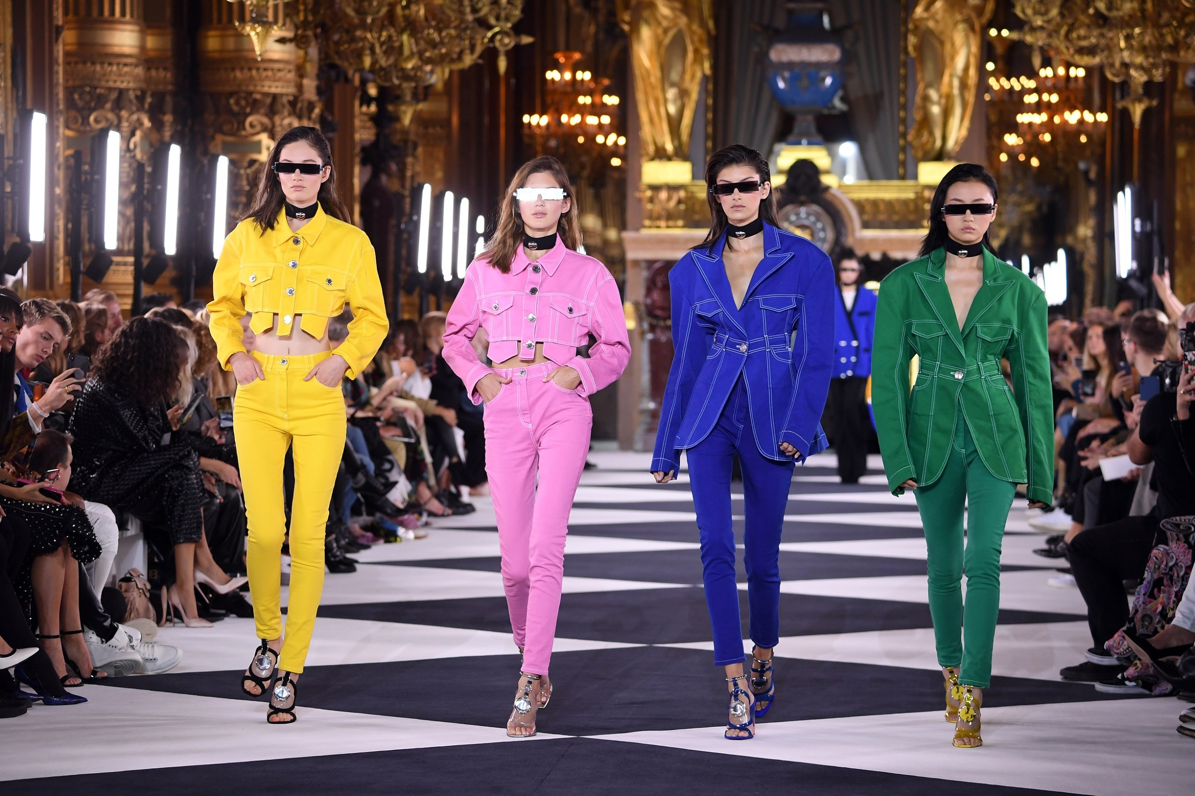 PARIS, FRANCE - SEPTEMBER 27: Models walk the runway during the Balmain Womenswear Spring/Summer 2020 show as part of Paris Fashion Week on September 27, 2019 in Paris, France. (Photo by Pascal Le Segretain/Getty Images)