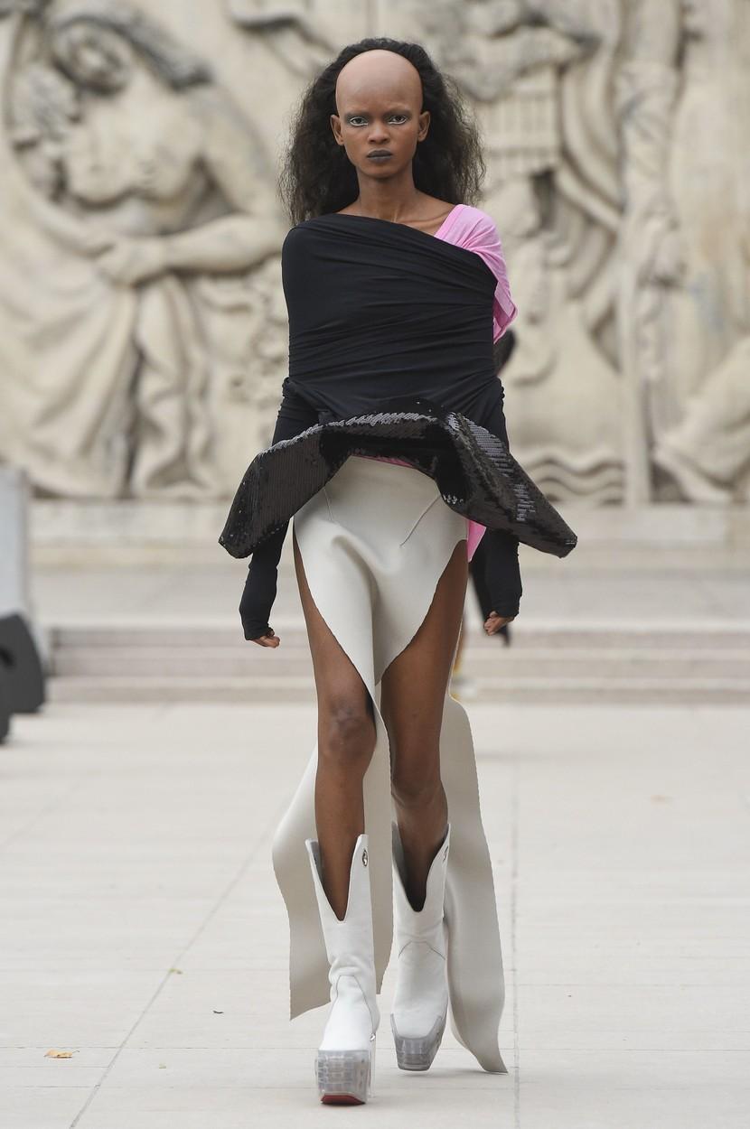 Model on the catwalk Rick Owens show, Runway, Spring Summer 2020, Paris Fashion Week, France - 26 Sep 2019, Image: 473616951, License: Rights-managed, Restrictions: , Model Release: no, Credit line: PIXELFORMULA/SIPA / Shutterstock Editorial / Profimedia