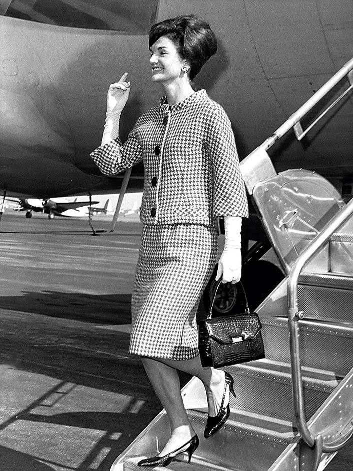 Jacqueline Kennedy arriving in New York city, 1960's., Image: 98246612, License: Rights-managed, Restrictions: For usage credit please use; Courtesy Everett Collection, Model Release: no, Credit line: Courtesy Everett Collection / Everett / Profimedia