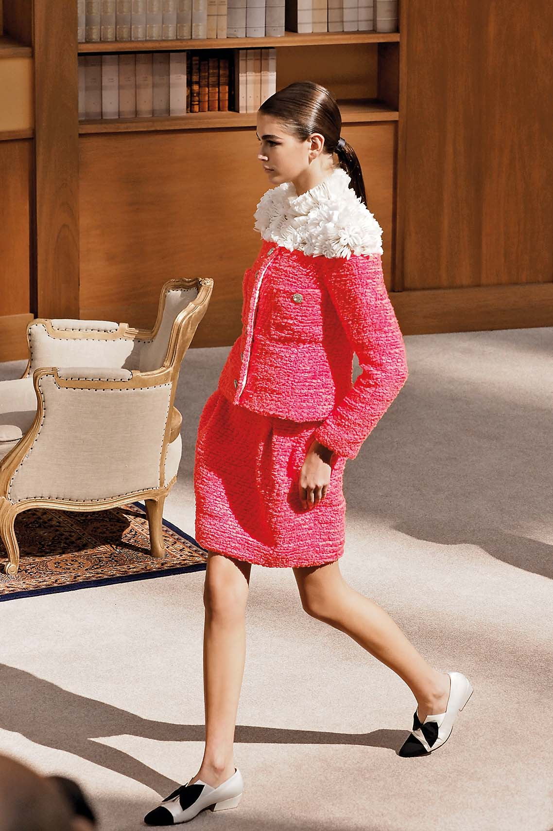 Model on the catwalk during Chanel show Fall Winter 2019, Haute Couture Fashion Week in Paris//03VULAURENT_vu01967/1907021253/Credit:LAURENT VU/SIPA/1907021258, Image: 453516791, License: Rights-managed, Restrictions: , Model Release: no, Credit line: LAURENT LAURENT VU / Sipa Press / Profimedia