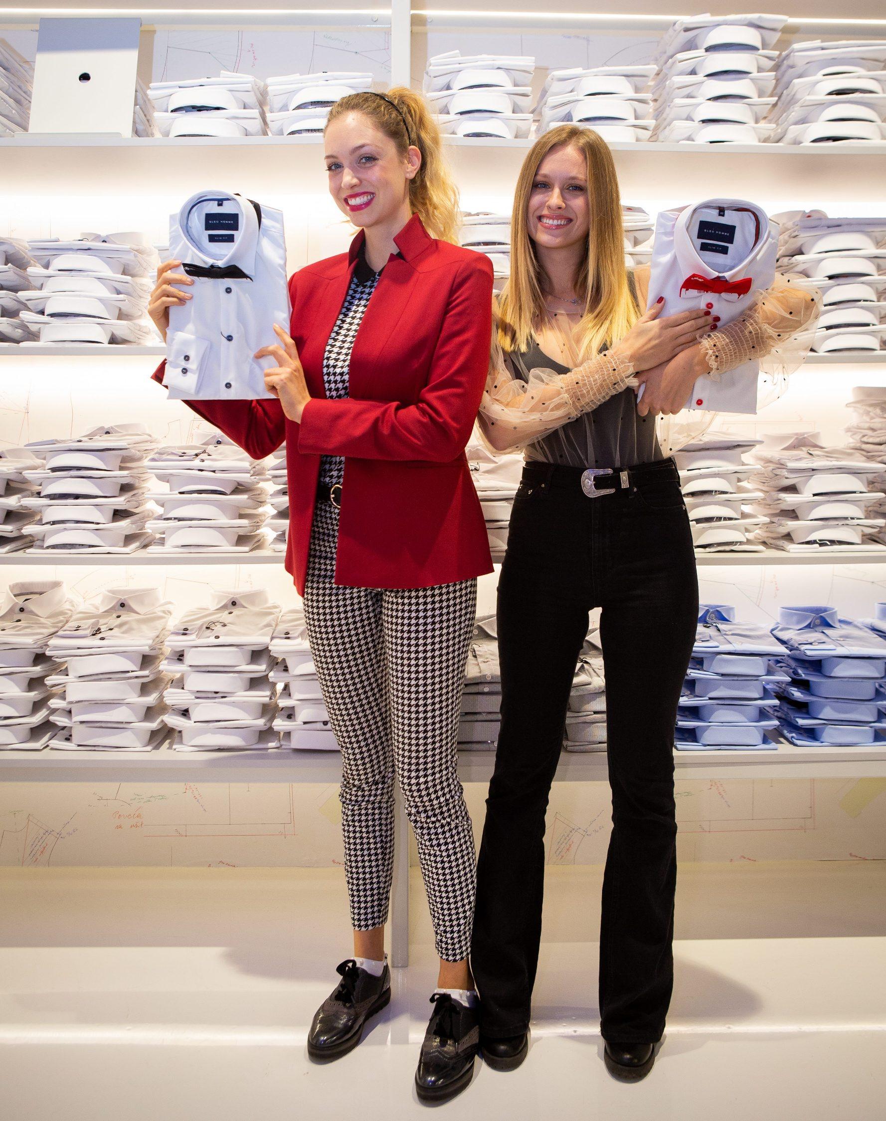 Split, 291019.  Otvorenje nove  Bleu Homme poslovnice u trgovackom centru Mall of Split.  Na fotografiji: Hana Huljic i Domenica Zuvela. Foto: Sasa Buric / CROPIX