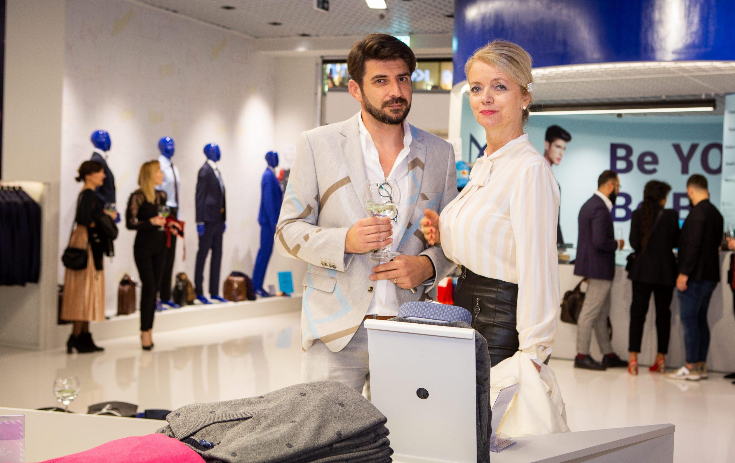 Split, 291019.  Otvorenje nove  Bleu Homme poslovnice u trgovackom centru Mall of Split.  Na fotografiji: Jurica Piric i Vjekoslava Huljic. Foto: Sasa Buric / CROPIX