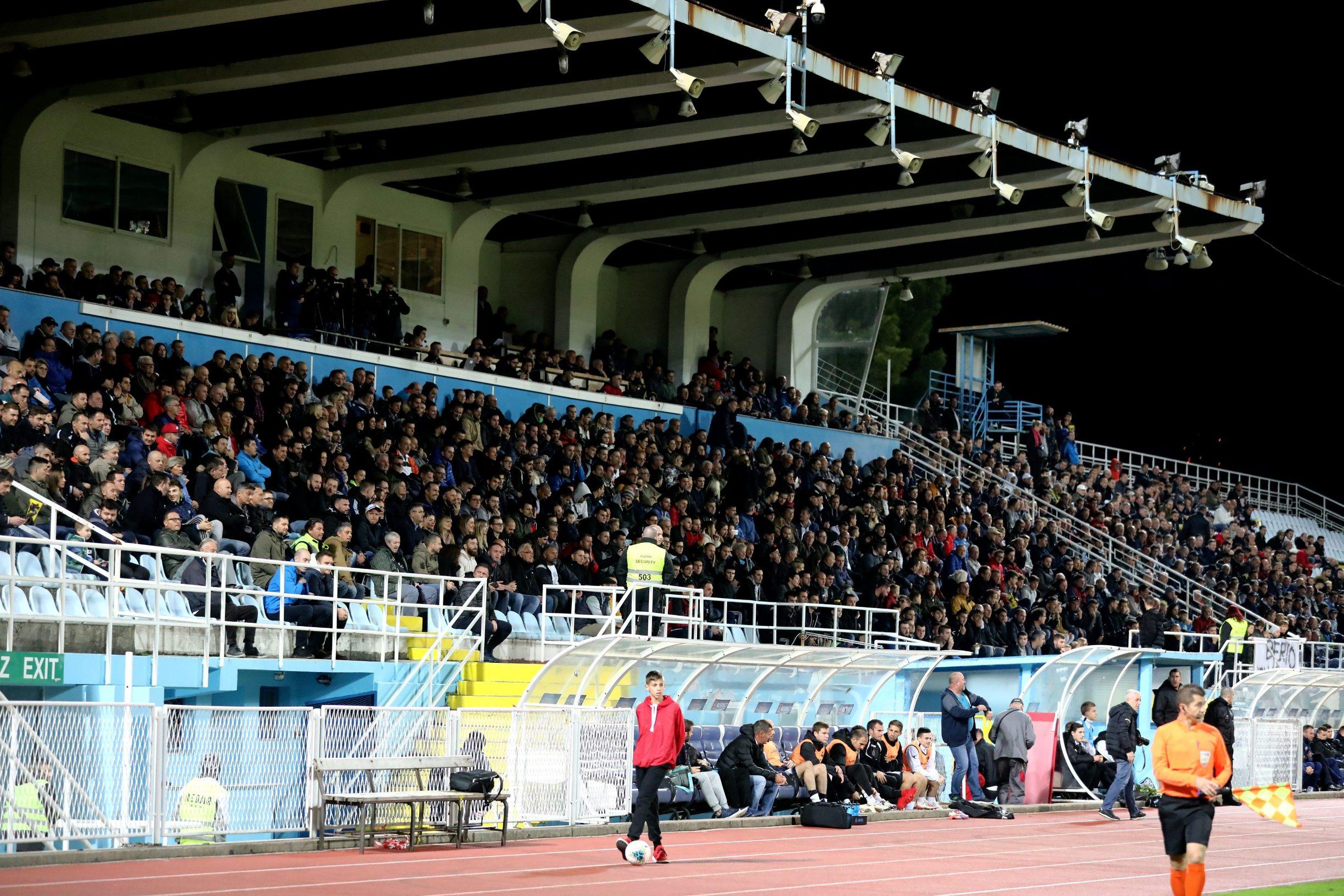 Rijeka, 301019. Stadion Kantrida. Opatija - GNK Dinamo, 1/8 finala nogometnog kupa Hrvatska, 19/20. Na fotografiji: publika. Foto: Matija Djanjesic / CROPIX