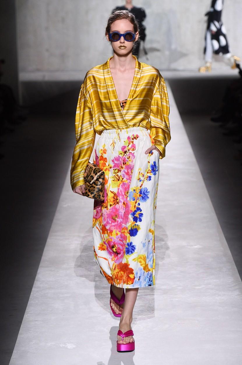 Model on the catwalk Dries van Noten show, Runway, Spring Summer 2020, Paris Fashion Week, France - 25 Sep 2019, Image: 473248902, License: Rights-managed, Restrictions: , Model Release: no, Credit line: PIXELFORMULA/SIPA / Shutterstock Editorial / Profimedia