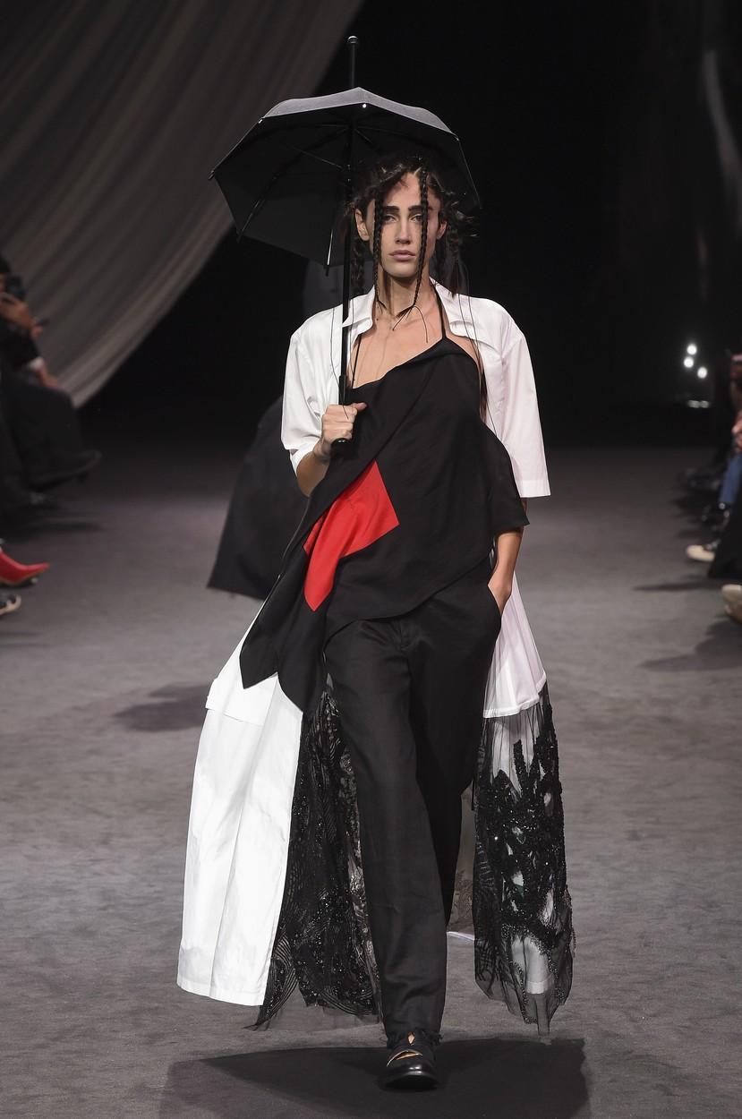 Model on the catwalk Yohji Yamamoto show, Runway, Spring Summer 2020, Paris Fashion Week, France - 27 Sep 2019, Image: 473909980, License: Rights-managed, Restrictions: , Model Release: no, Credit line: Pixelformula/SIPA / Shutterstock Editorial / Profimedia