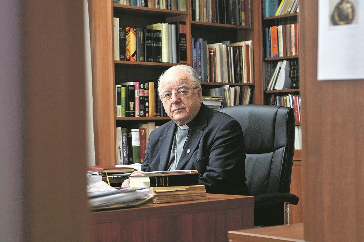 Gospic, 051019. Biskup u miru Mons. Mile Bogovic. Na fotografiji: Biskup Mile Bogovic. Foto: Robert Fajt / CROPIX