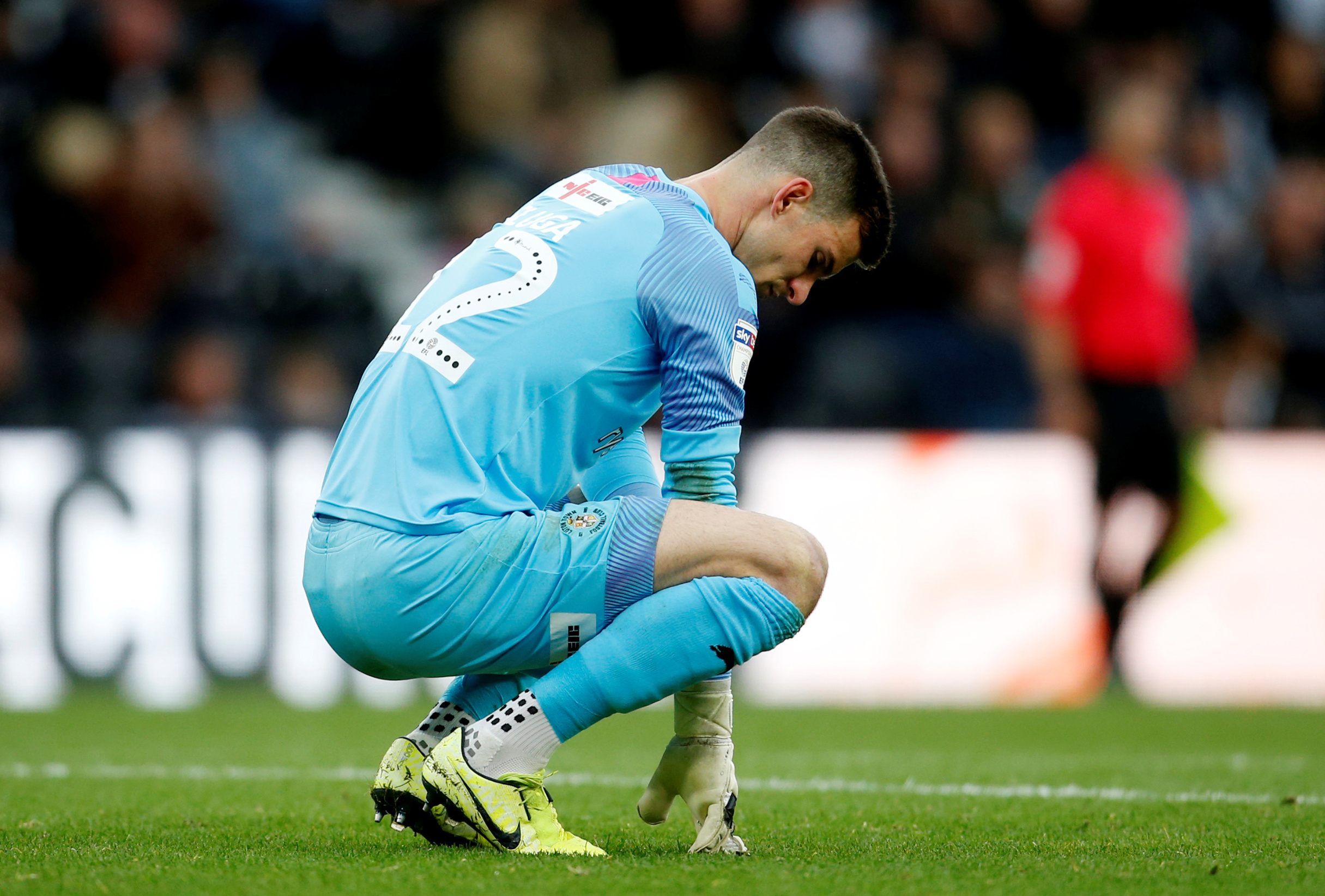 Soccer Football - Championship - Derby County v Luton Town - Pride Park, Derby, Britain - October 5, 2019  Luton Town's Simon Sluga looks dejected   Action Images/Ed Sykes  EDITORIAL USE ONLY. No use with unauthorized audio, video, data, fixture lists, club/league logos or