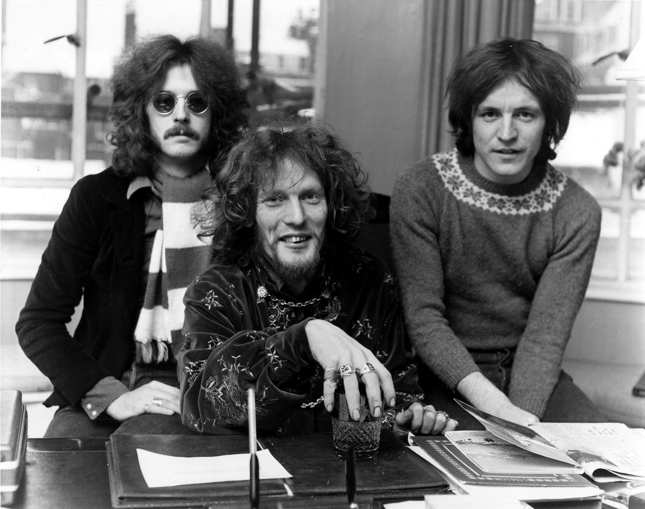 S lijeva na desno: Jack Bruce, Ginger Baker, Eric Clapton
