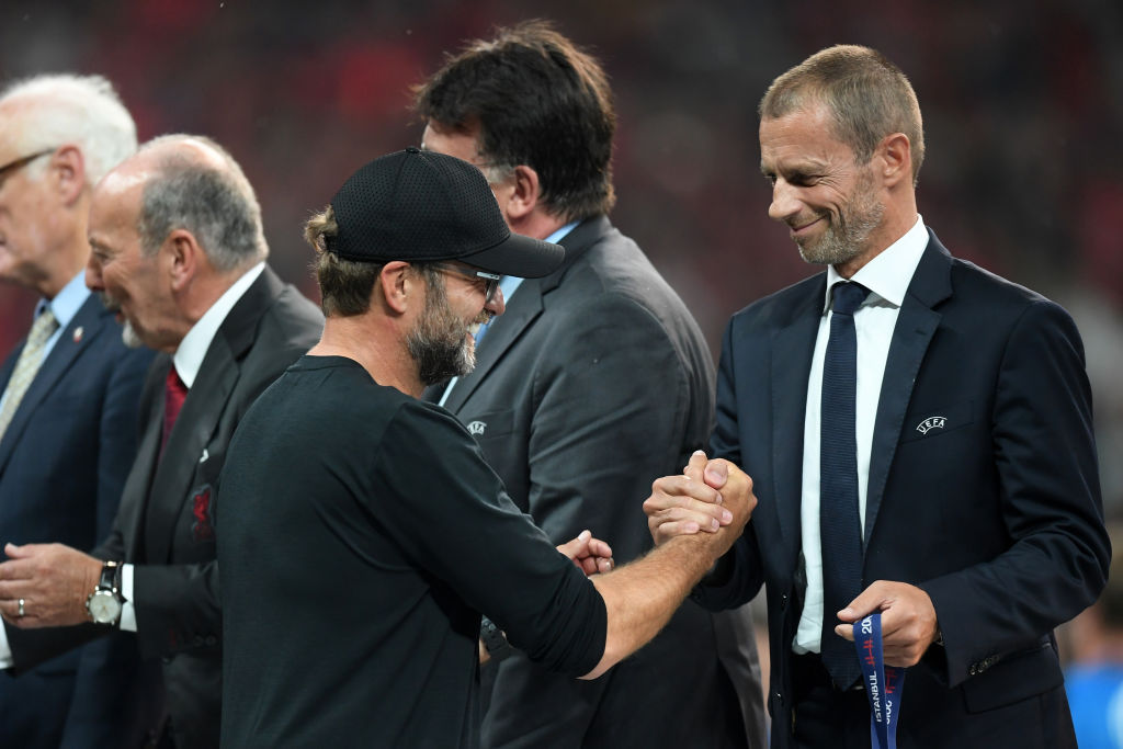 ISTANBUL, TURKEY - AUGUST 14: UEFA President, Aleksander Ceferin shakes hands with Jurgen Klopp, Manager of Liverpool following the UEFA Super Cup match between Liverpool and Chelsea at Vodafone Park on August 14, 2019 in Istanbul, Turkey. (Photo by Michael Regan/Getty Images)