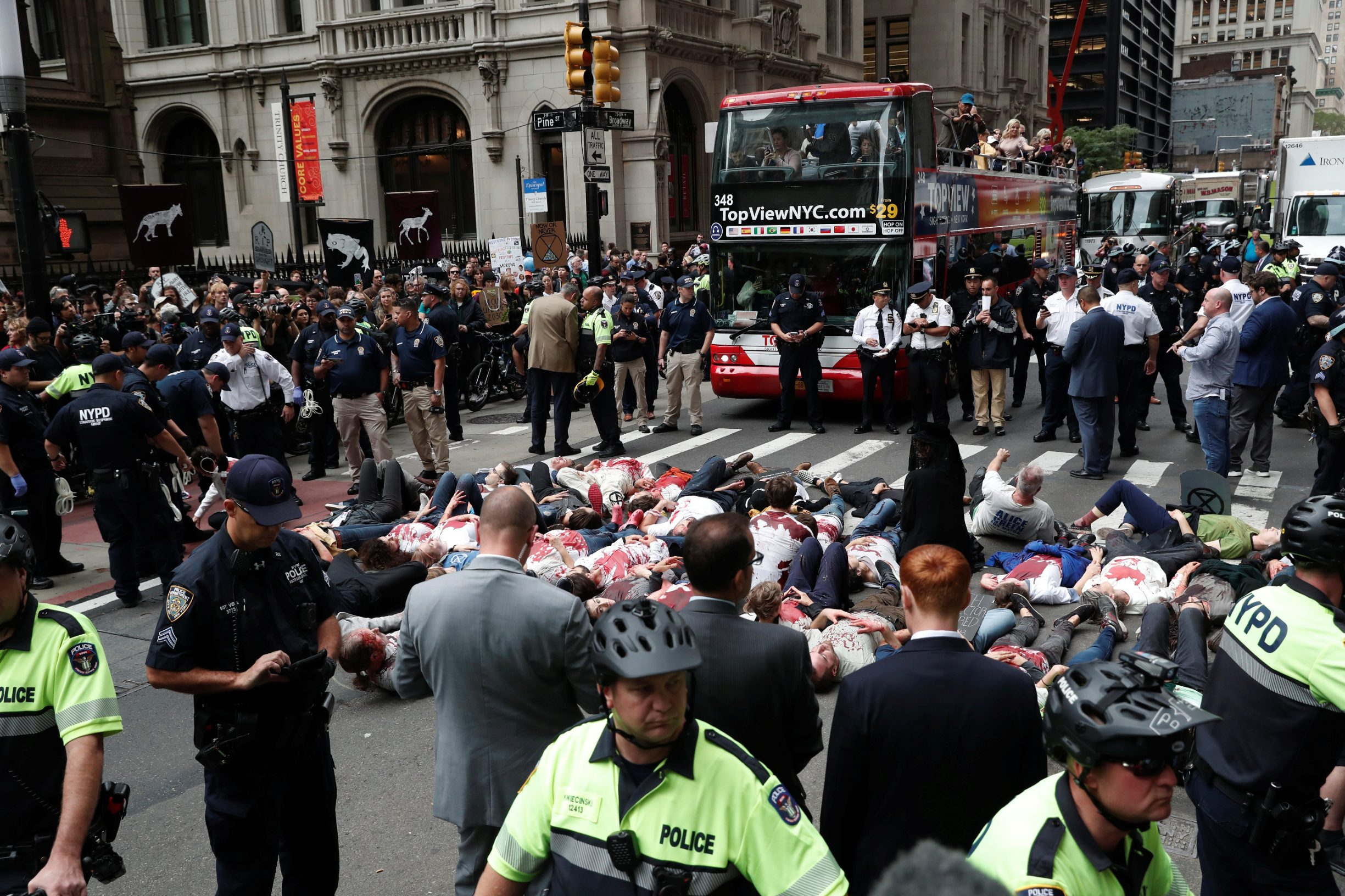 2019-10-07T163530Z_586812647_RC1FA53C5430_RTRMADP_3_CLIMATE-CHANGE-NEW-YORK-PROTESTS