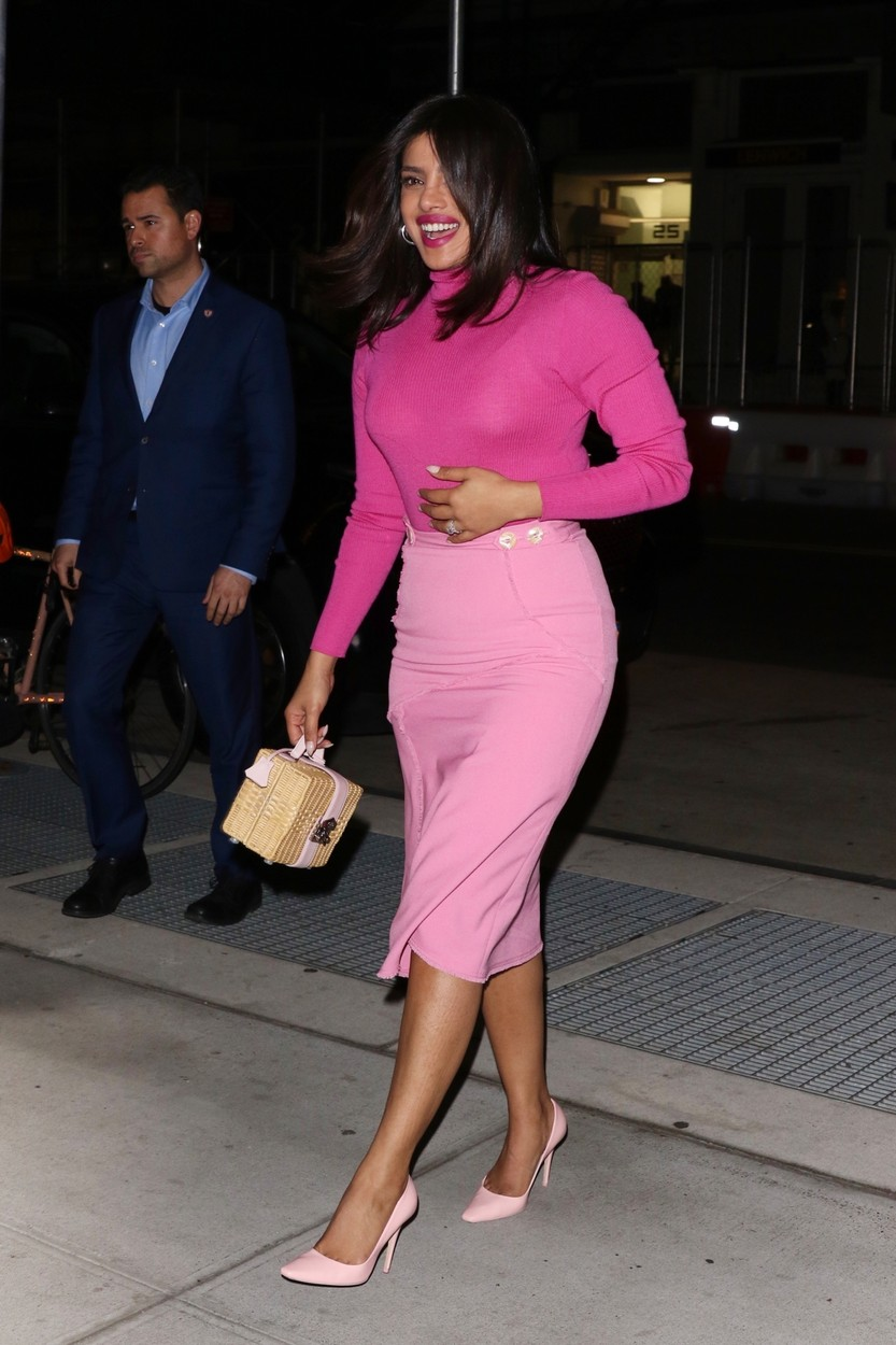 New York, NY  - Priyanka Chopra is pretty in pink arriving back to her apartment in NYC after a long day of press in The Big Apple.  BACKGRID USA 8 OCTOBER 2019, Image: 475809985, License: Rights-managed, Restrictions: , Model Release: no, Credit line: @TheHapaBlonde / BACKGRID / Backgrid USA / Profimedia