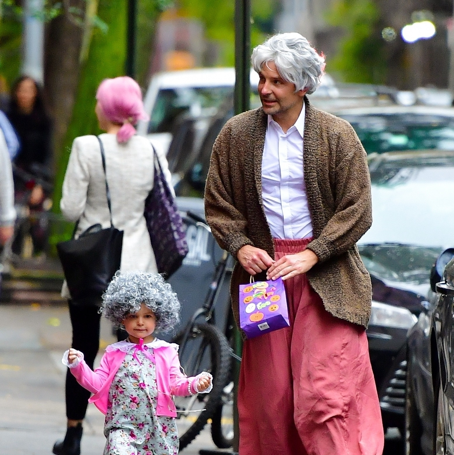 New York, NY  - *PREMIUM-EXCLUSIVE*  - Actor Bradley Cooper and daughter Lea channel their inner Robin Williams dressed as Mrs. Doubtfire to trick or treat in New York.  *UK Clients - Pictures Containing Children Please Pixelate Face Prior To Publication*, Image: 480269721, License: Rights-managed, Restrictions: *DO NOT ALTER SET OR CROP PHOTOS*, Model Release: no, Credit line: PapCulture / BACKGRID / Backgrid USA / Profimedia