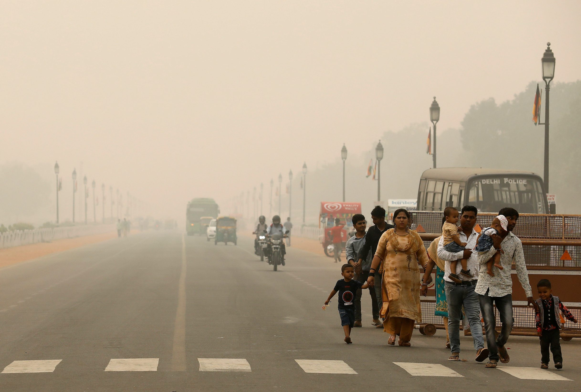 2019-11-01T093340Z_117541828_RC153022AC00_RTRMADP_3_INDIA-POLLUTION