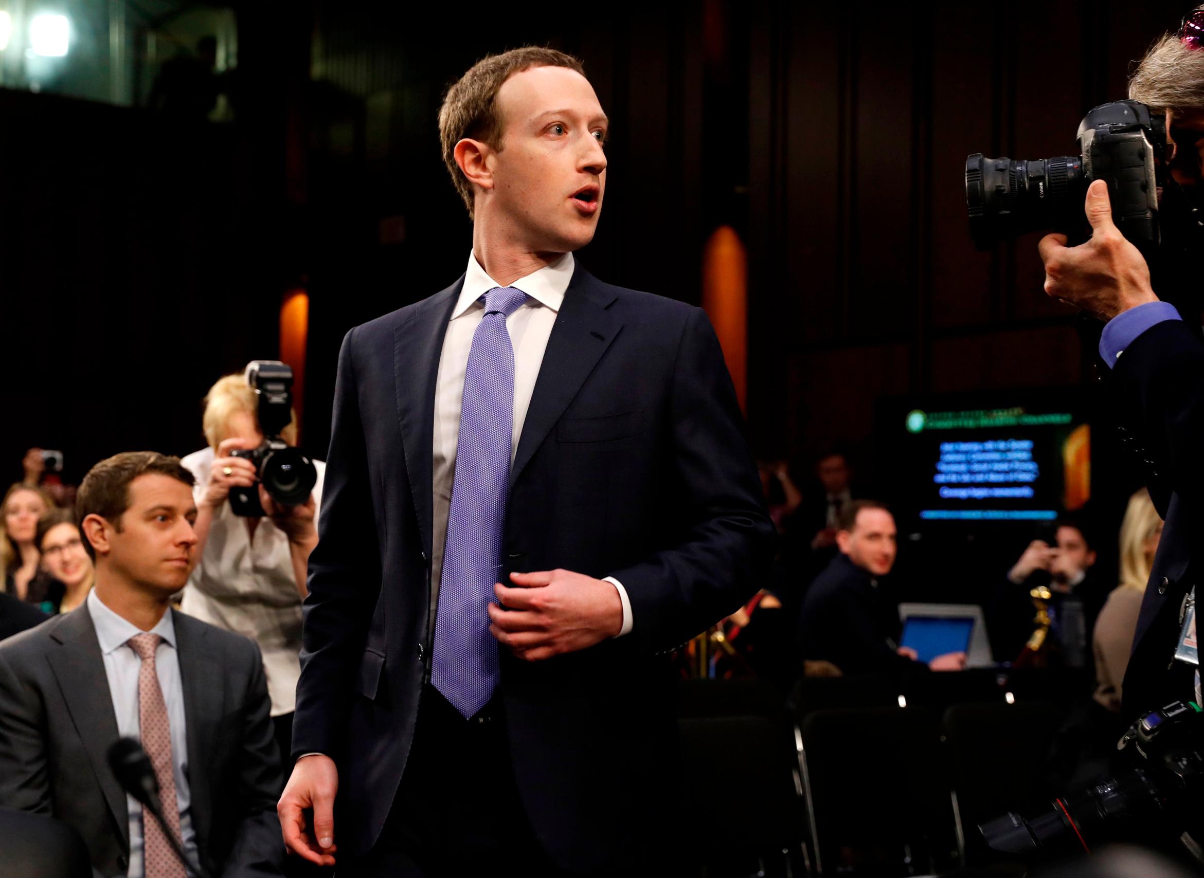 """Paradigma bezobzirne pohlepe, maskirane """"demokratskim pravom na slobodu riječi"""", jamačno je Mark Zuckerberg (na slici)"""