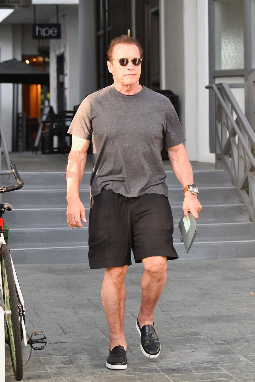 Brentwood, CA  - *EXCLUSIVE*  - Arnold Schwarzenegger seen while out running errands in Brentwood on his new truck. His new ride is so huge that Arnold has a little bit of a hard time getting back into it.  BACKGRID USA 10 NOVEMBER 2019, Image: 482171131, License: Rights-managed, Restrictions: , Model Release: no, Credit line: Boaz / BACKGRID / Backgrid USA / Profimedia