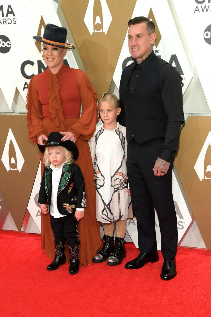 NASHVILLE, TENNESSEE - NOVEMBER 13: (FOR EDITORIAL USE ONLY)   Jameson Hart, Willow Hart, P!nk and Carey Hart attend the 53rd annual CMA Awards at the Music City Center on November 13, 2019 in Nashville, Tennessee. (Photo by Jason Kempin/Getty Images)