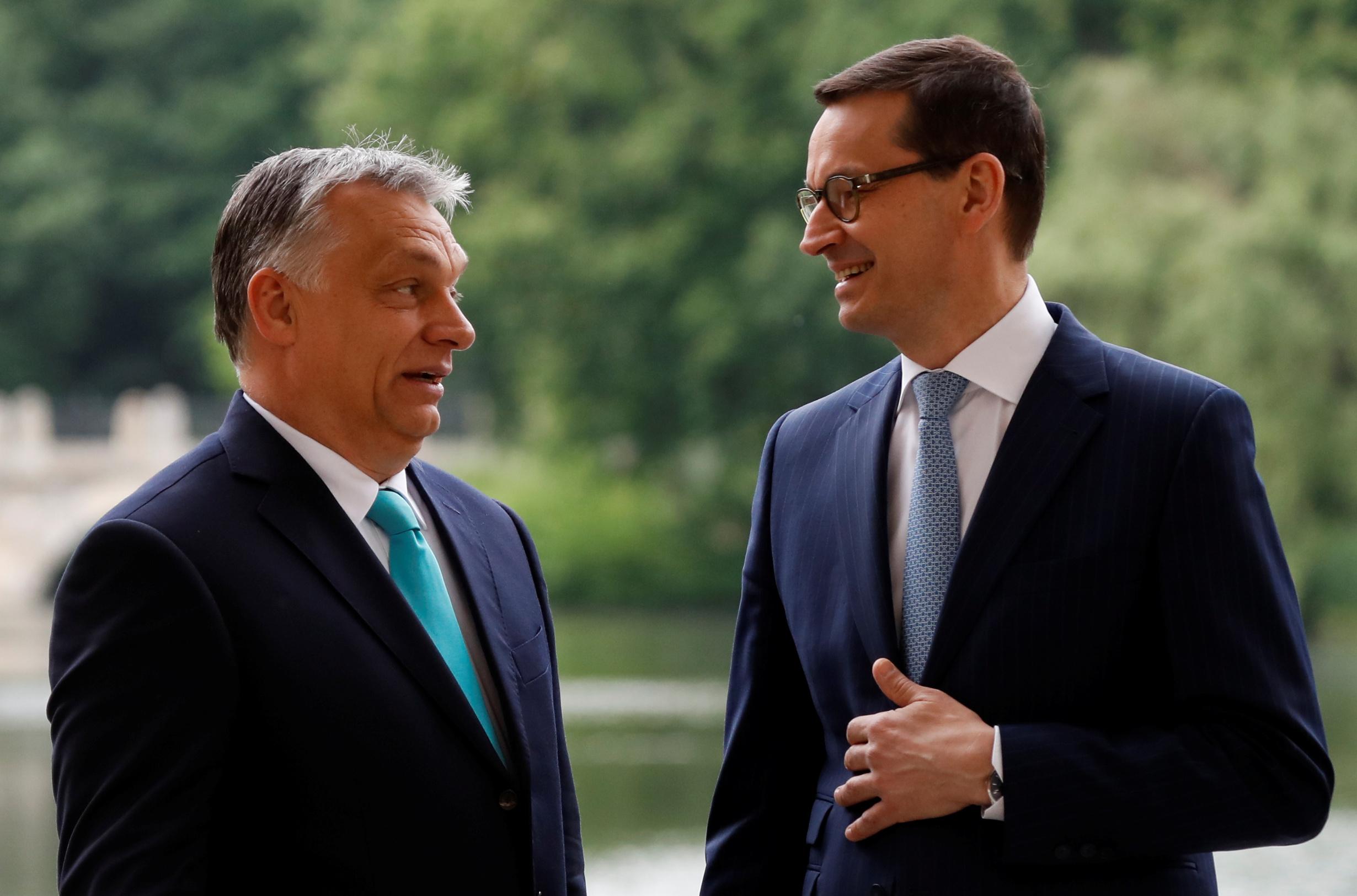 Poljski premijer Mateusz Morawiecki i njegov mađarski kolega Viktor Orban
