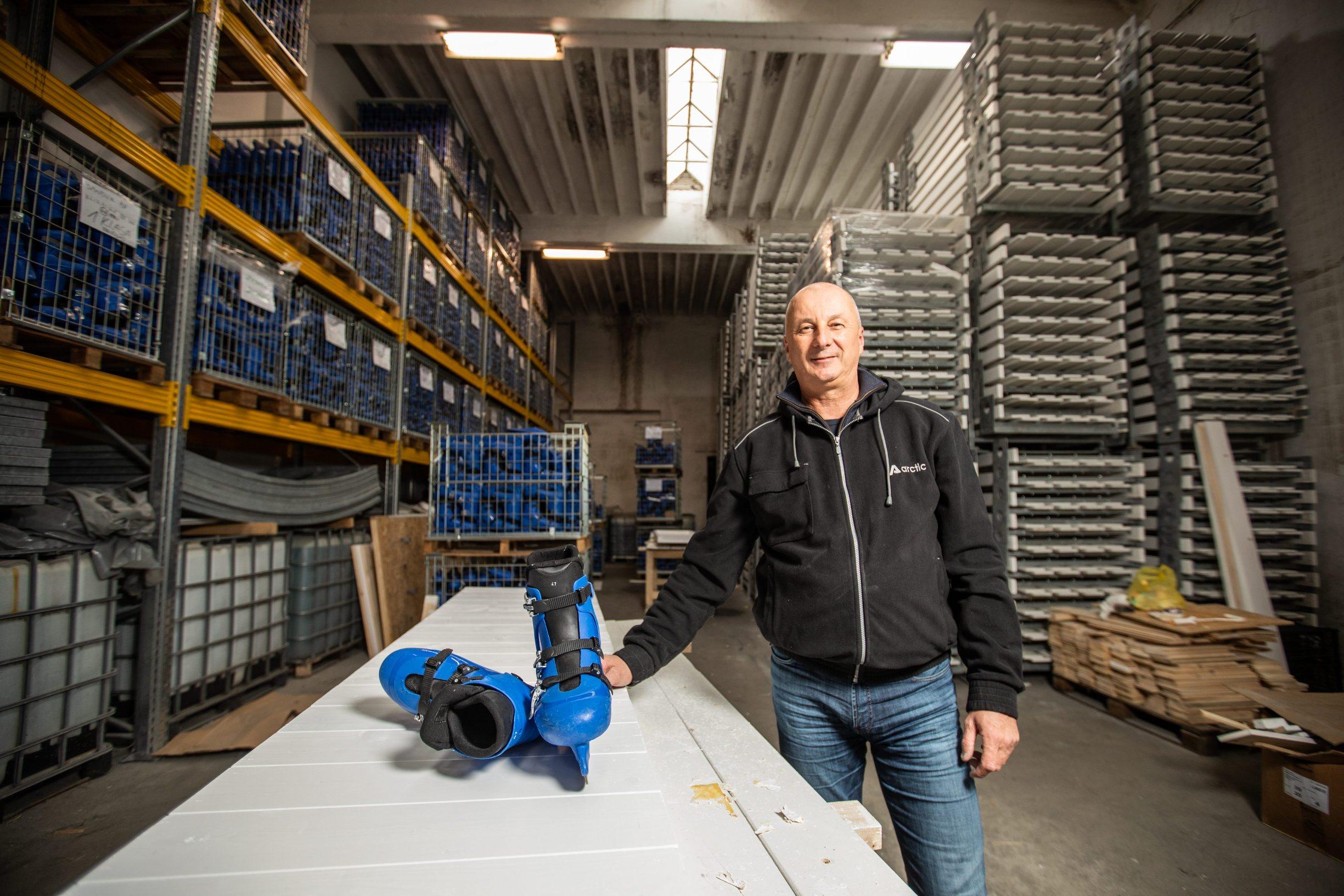 Rijeka, 131119. Tvrtka Arctic proizvodi led za klizalista. Ove godine opskrbljuje cak 70-ak klizalista. Na fotografiji: Vlasnik tvrtke, Denis Ventin. Foto: Matija Djanjesic / CROPIX