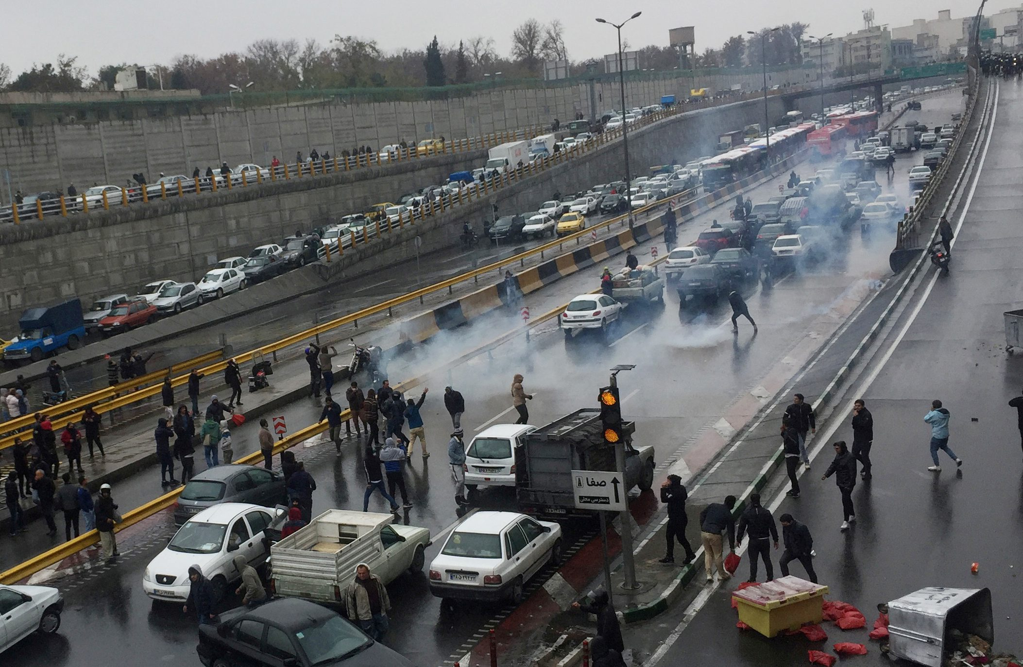 2019-11-16T132448Z_1269611006_RC2CCD9U8A39_RTRMADP_3_IRAN-FUEL-PROTESTS