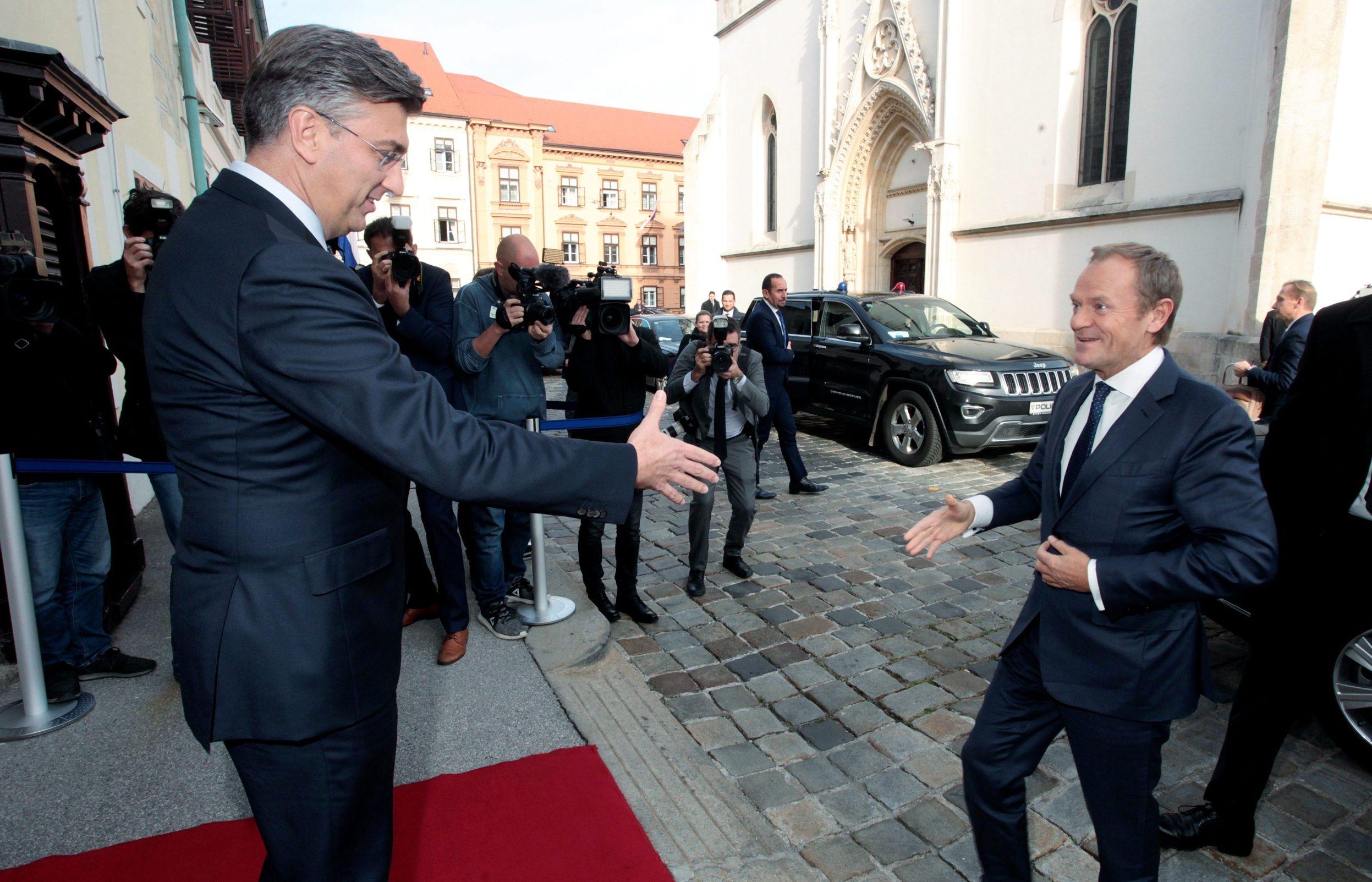 Donald Tusk (desno), predsjednik Europskog vijeća na odlasku, sutra će postati novi predsjednik Europske pučke stranke, najveće političke grupacije u EU