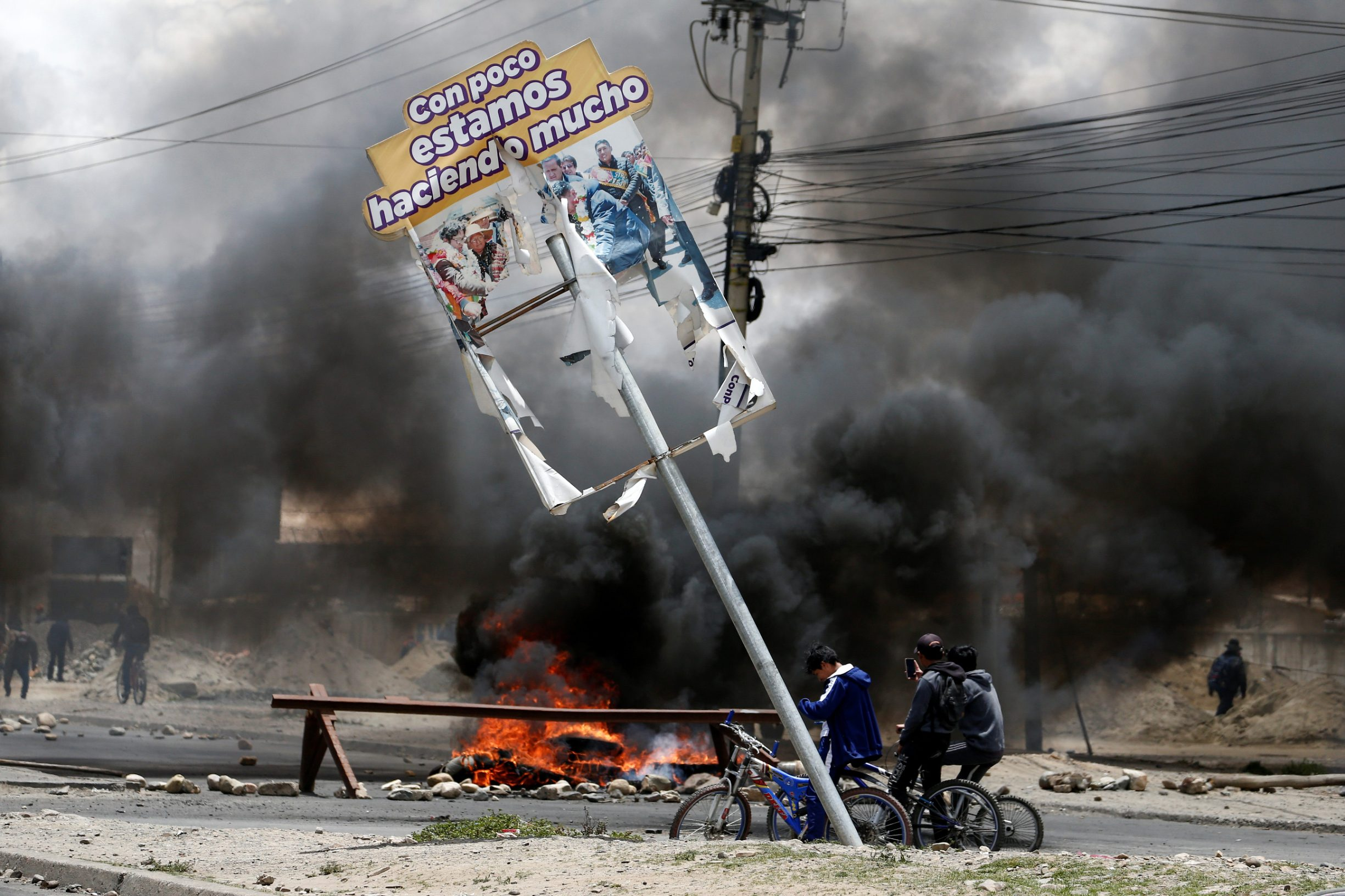 2019-11-19T182252Z_1962863679_RC2IED9N84IB_RTRMADP_3_BOLIVIA-ELECTION-PROTESTS