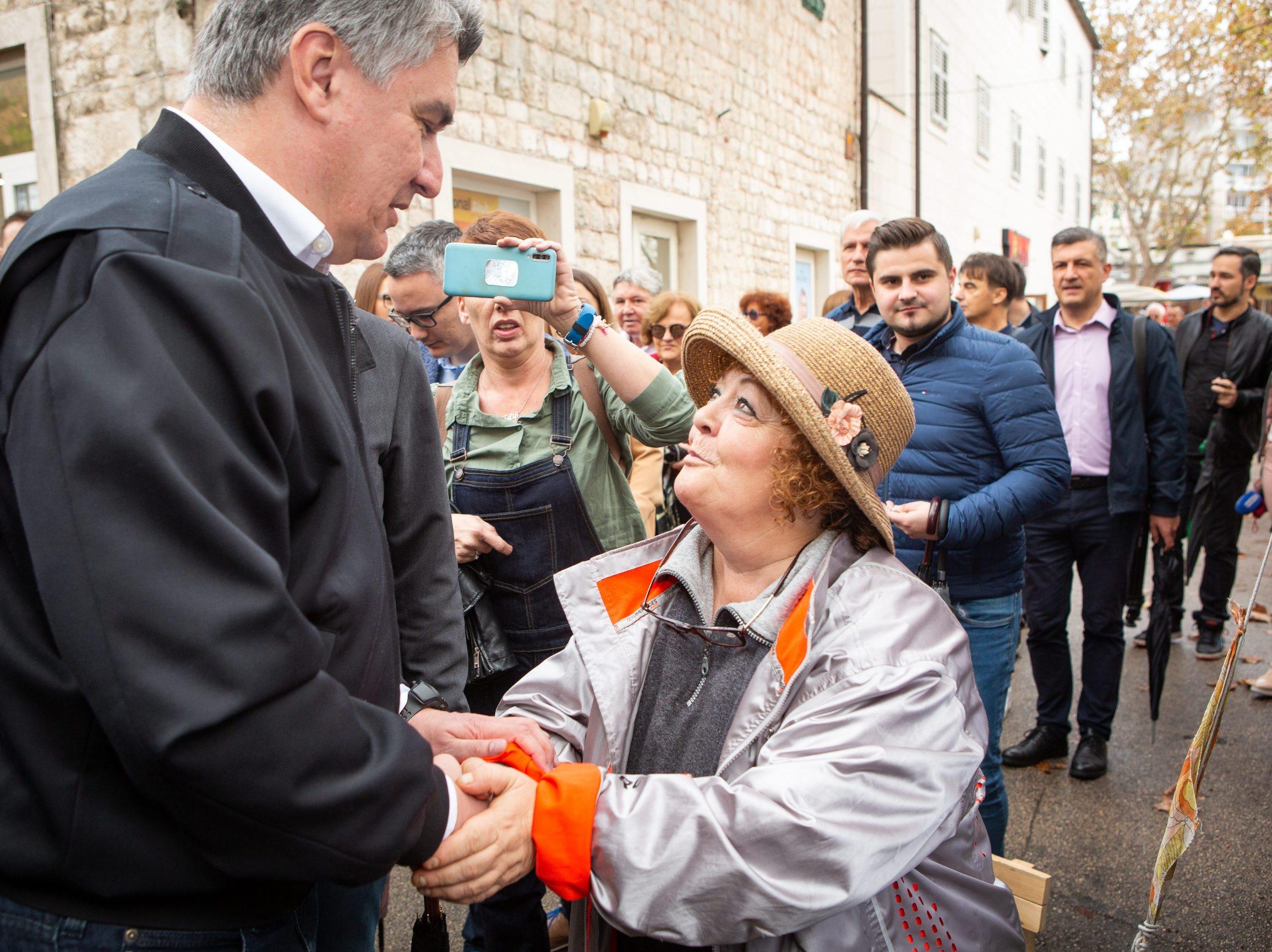Split, 021119.  Predsjednicki kandidat ljevice Zoran Milanovic u sklopu svoje kampanje posjetio Split. Foto: Sasa Buric  / CROPIX