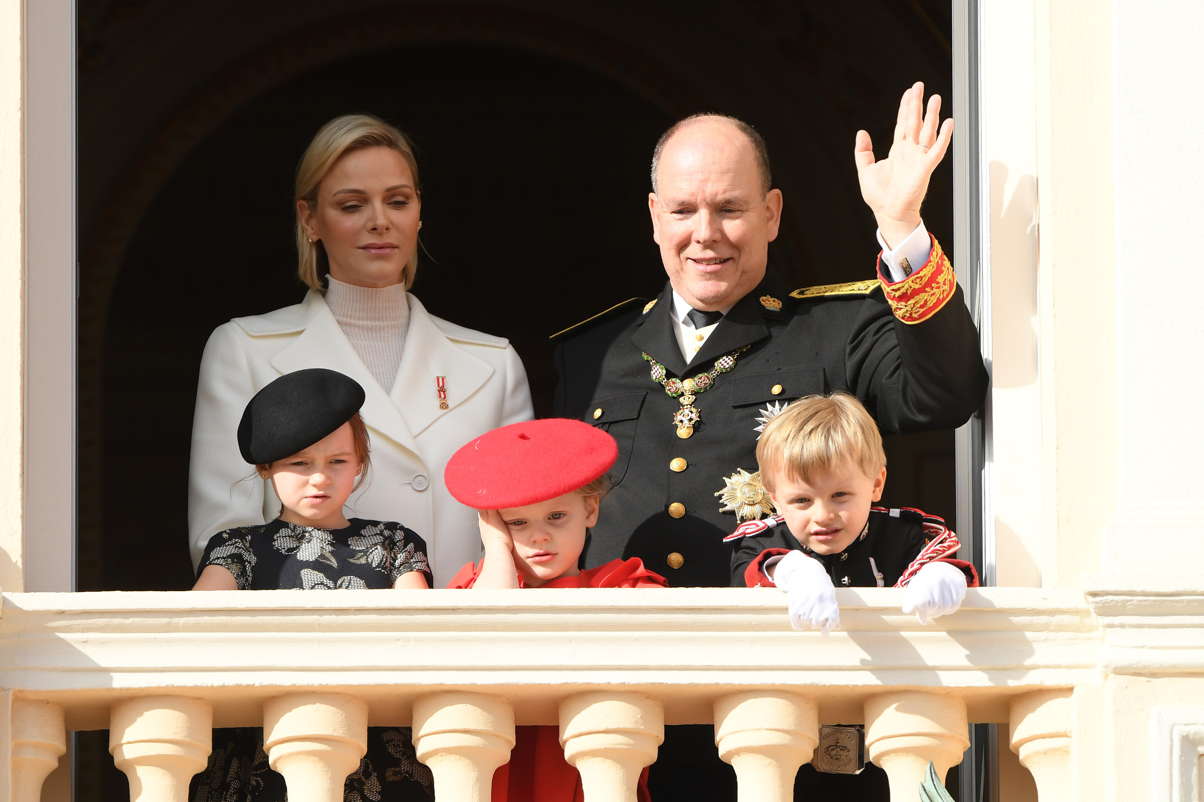 MONTE-CARLO, MONACO - NOVEMBER 19: (L-R) Princess Charlene of Monaco, Prince Albert II of Monaco, Kaia-Rose Wittstock, Prince Gabriella of Monaco and Prince Jacques of Monaco pose at the Palace balcony during the Monaco National Day Celebrations on November 19, 2019 in Monte-Carlo, Monaco. (Photo by Pascal Le Segretain/Getty Images)
