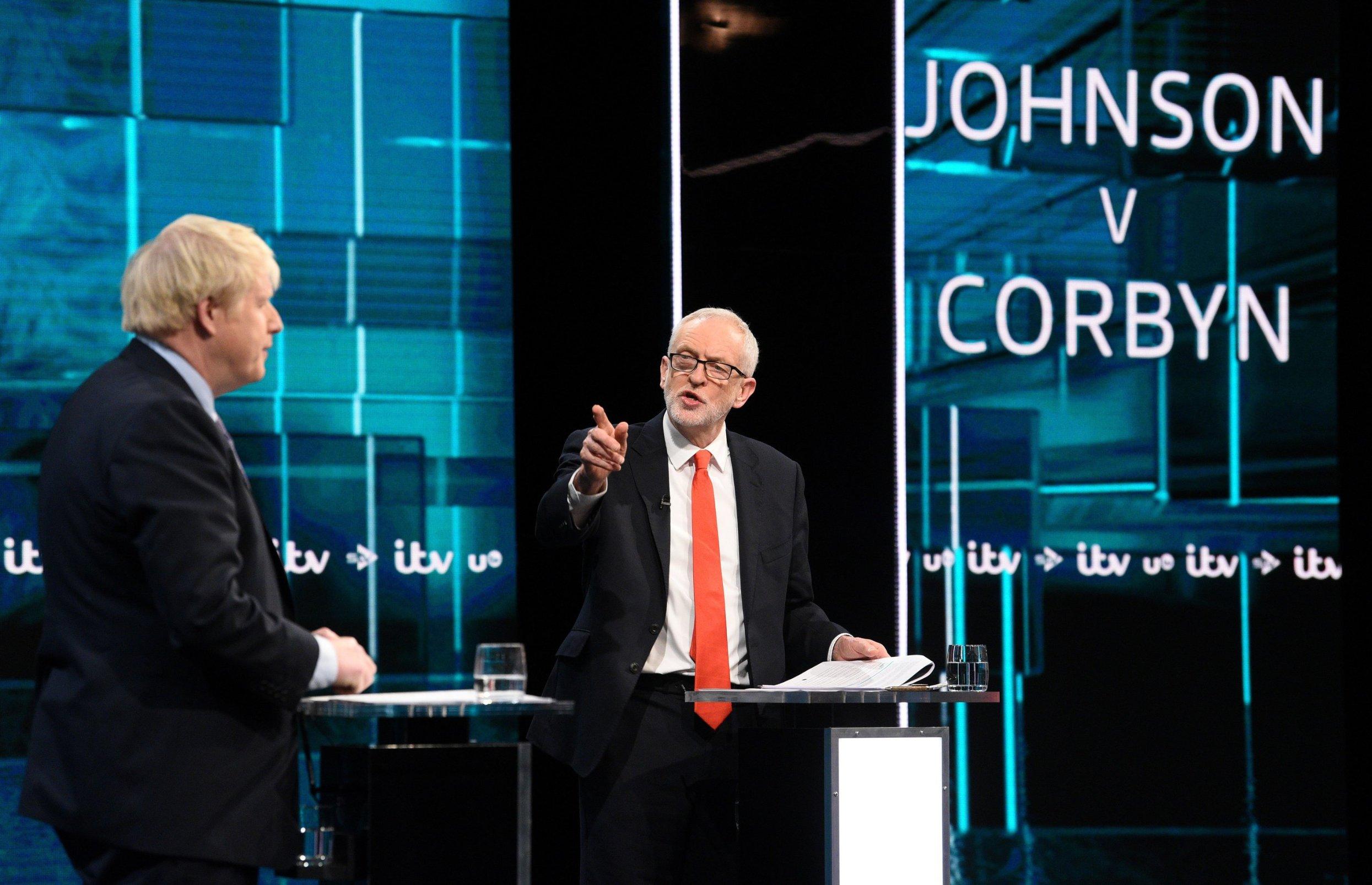 Lider konzervativaca Boris Johnson i lider laburista Jeremy Corbyn tijekom televizijske debate uoči izbora u Londonu, 19. Studeni, 2019.