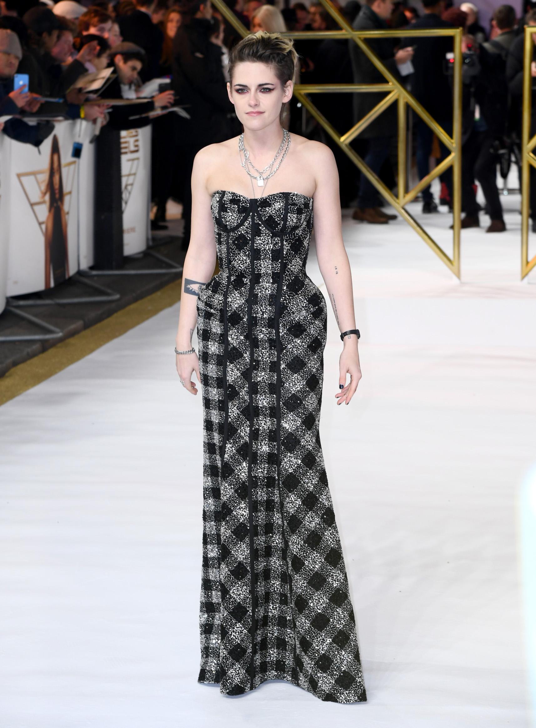 LONDON, ENGLAND - NOVEMBER 20:  Kristen Stewart attends the