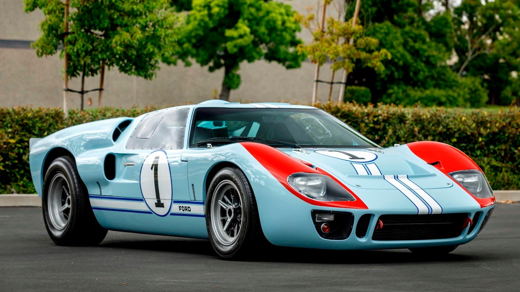SUPERFORMANCE-GT40-MKII-1