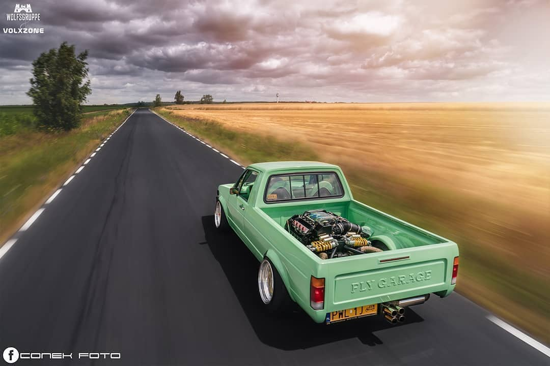slammed-vw-caddy-has-mid-mounted-audi-42l-v8-looks-minty_2f