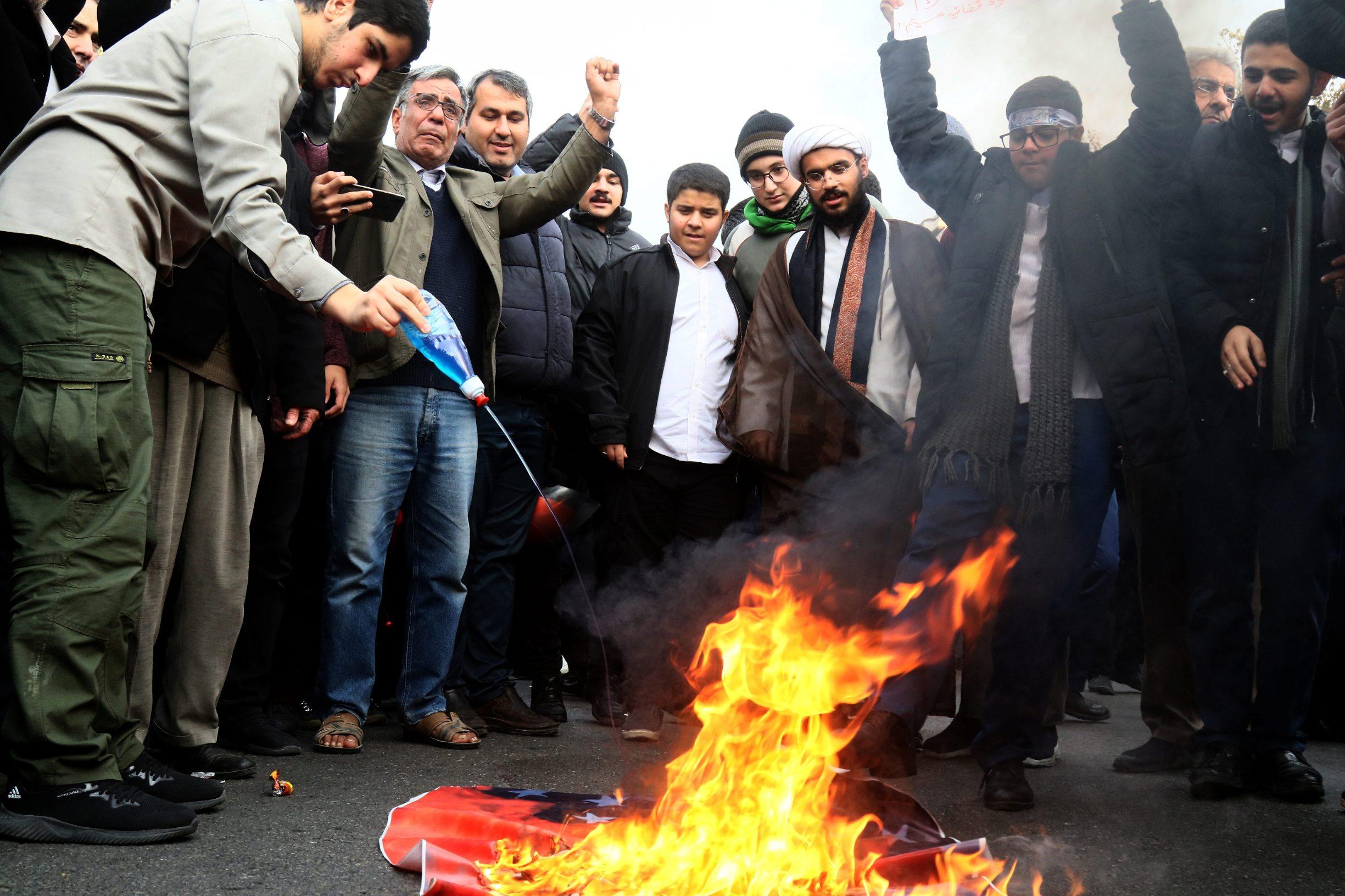 2019-11-25T142732Z_2048823747_RC2EID91ZN9S_RTRMADP_3_IRAN-GASOLINE-PROTESTS