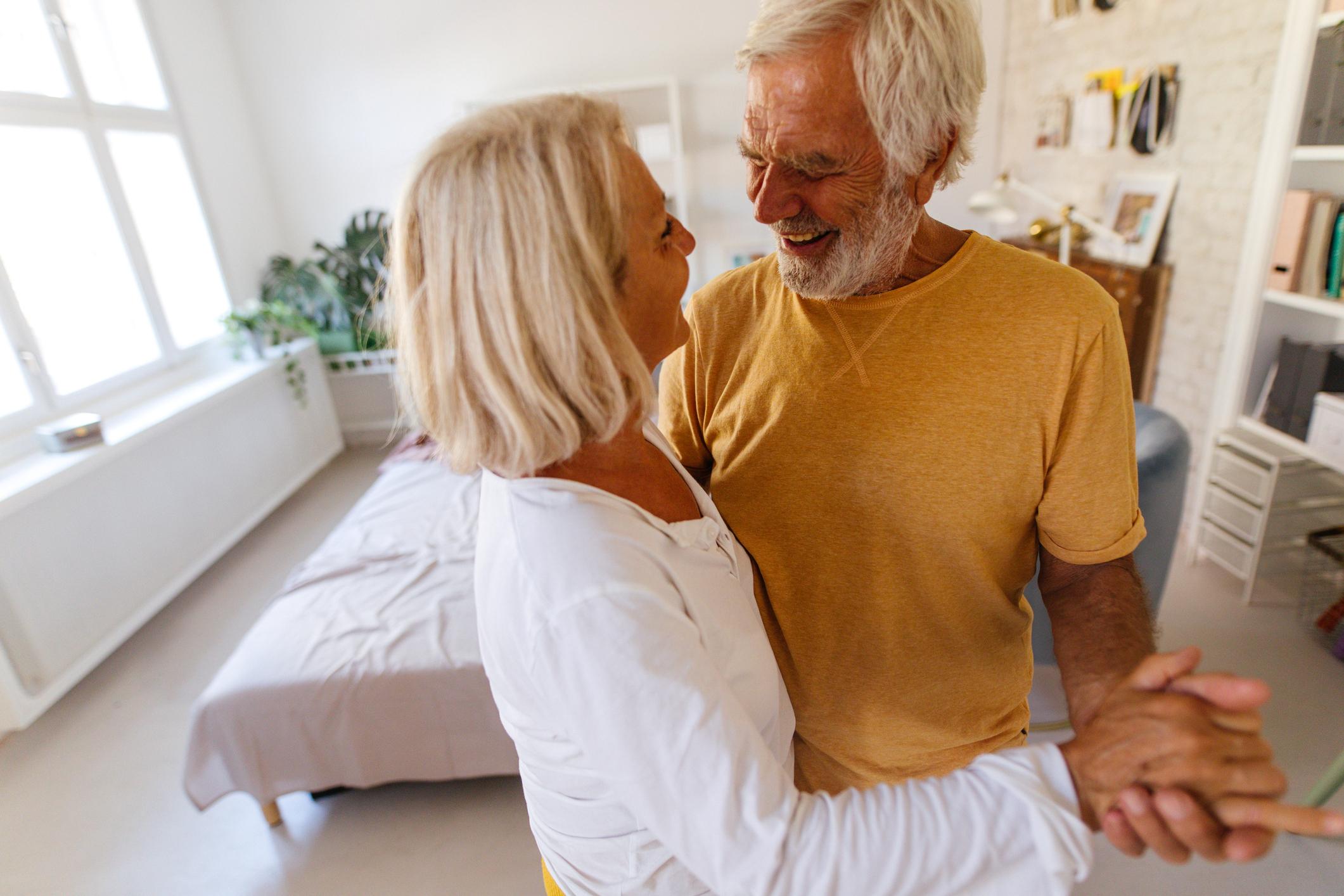 Pokazalo se da je pad kognitivnih funkcija u šestogodišnjem razdoblju bio jednak kod ispitanika koji su uzimali statine, kao i kod onih koji nisu bili na terapiji.