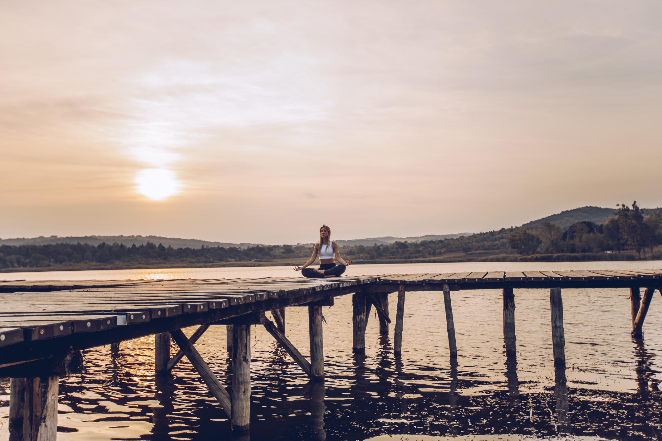 Popularnost joge ne jenjava, kako zbog fizičke koristi za fleksibilnost i ravnotežu pojedinca, tako i za njegovu duhovnu korist.