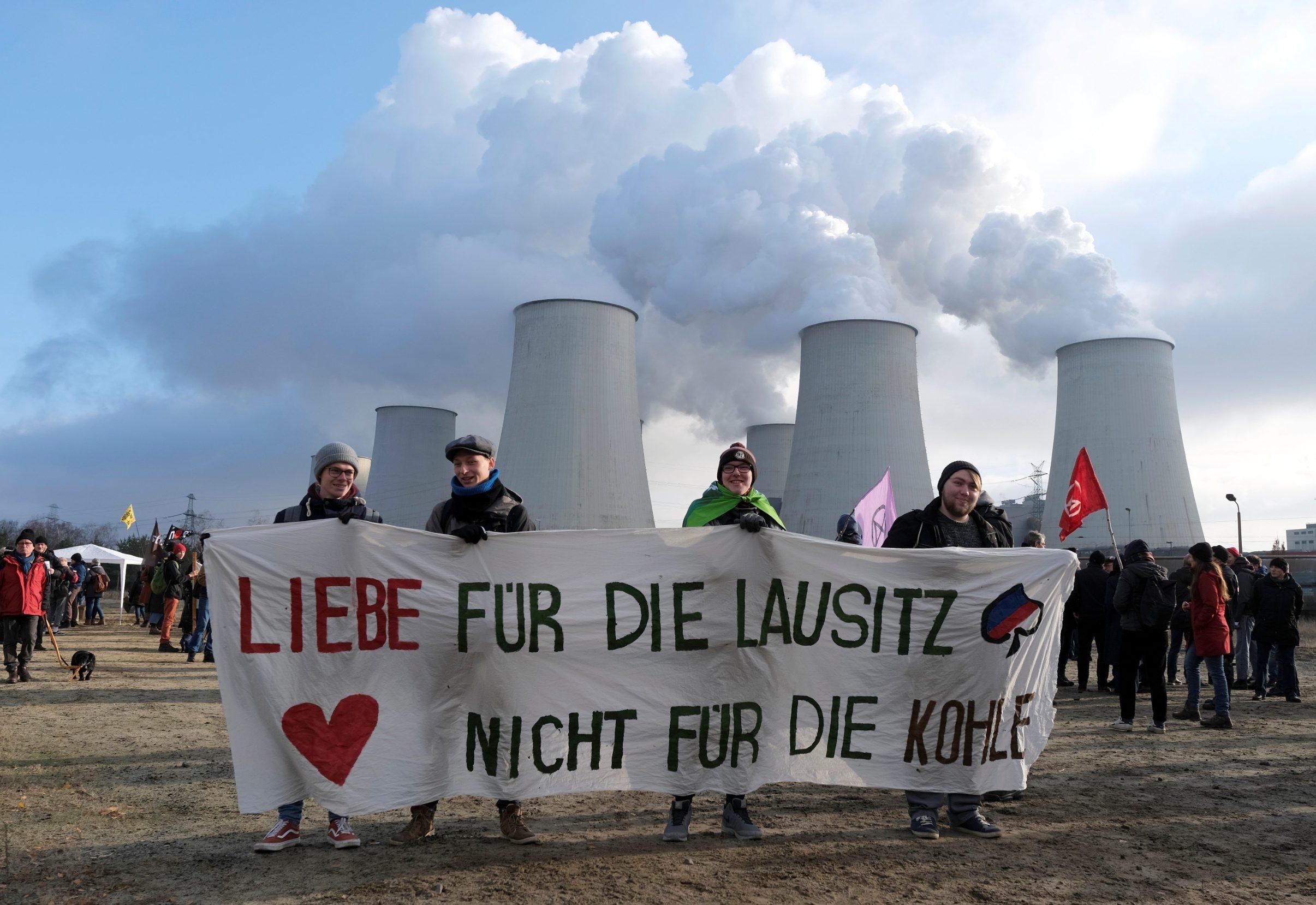 2019-11-30T120022Z_25056534_RC2OLD9W2QPF_RTRMADP_3_GERMANY-ENERGY-COAL