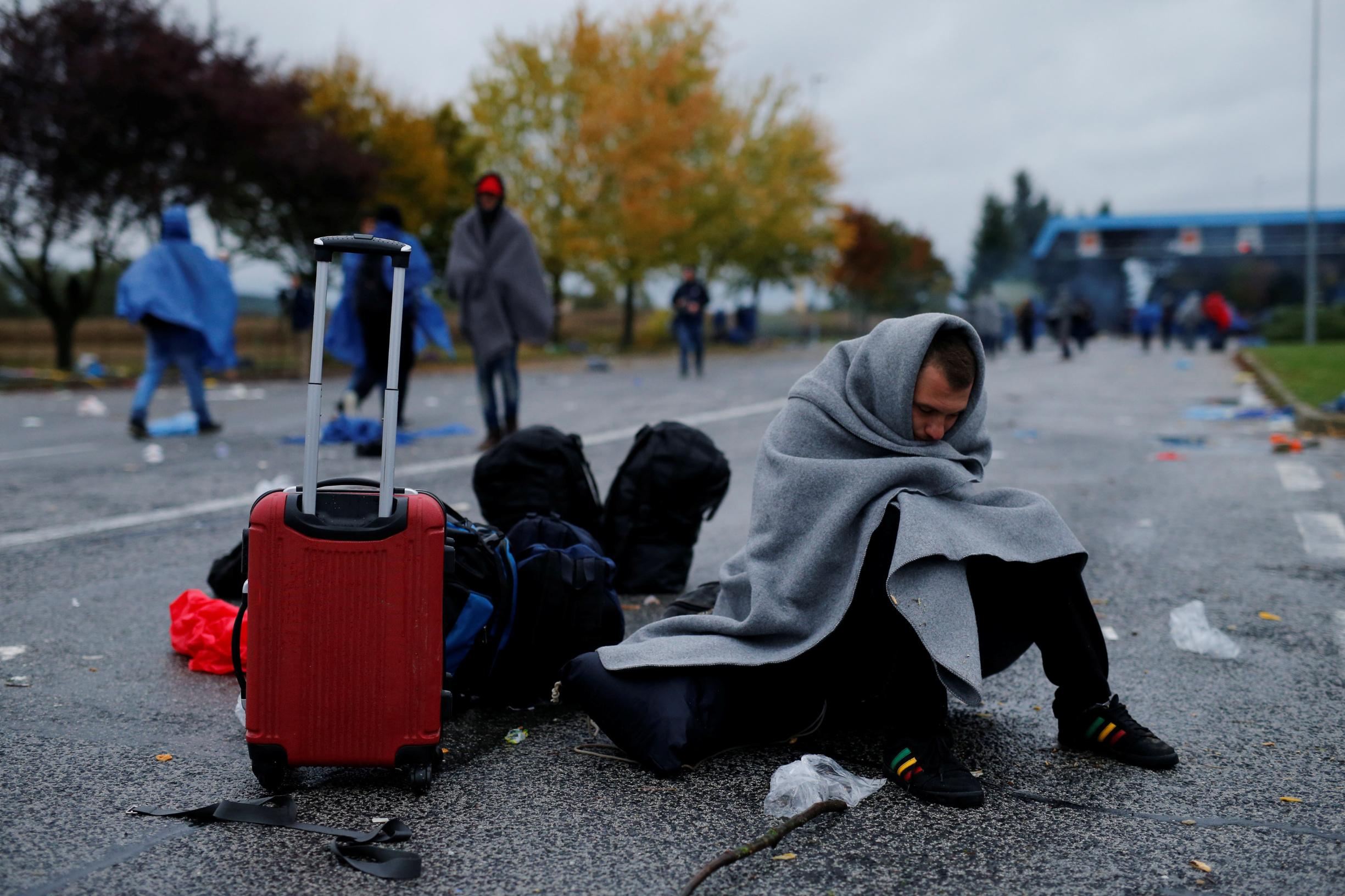 Migrant čeka prelazak granice sa Slovenijom