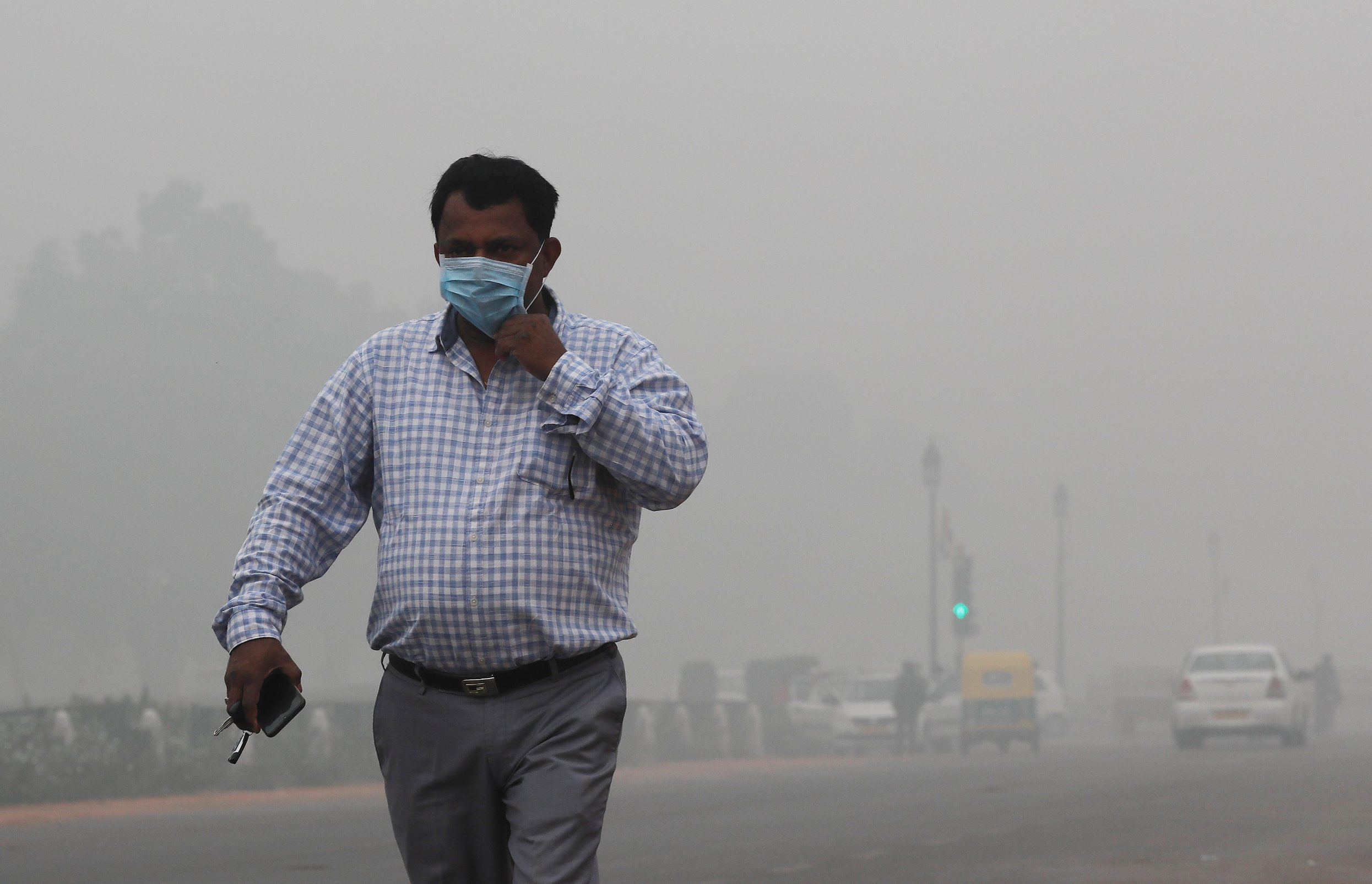 2019-11-03T051619Z_581825828_RC175A2EBA10_RTRMADP_3_INDIA-POLLUTION