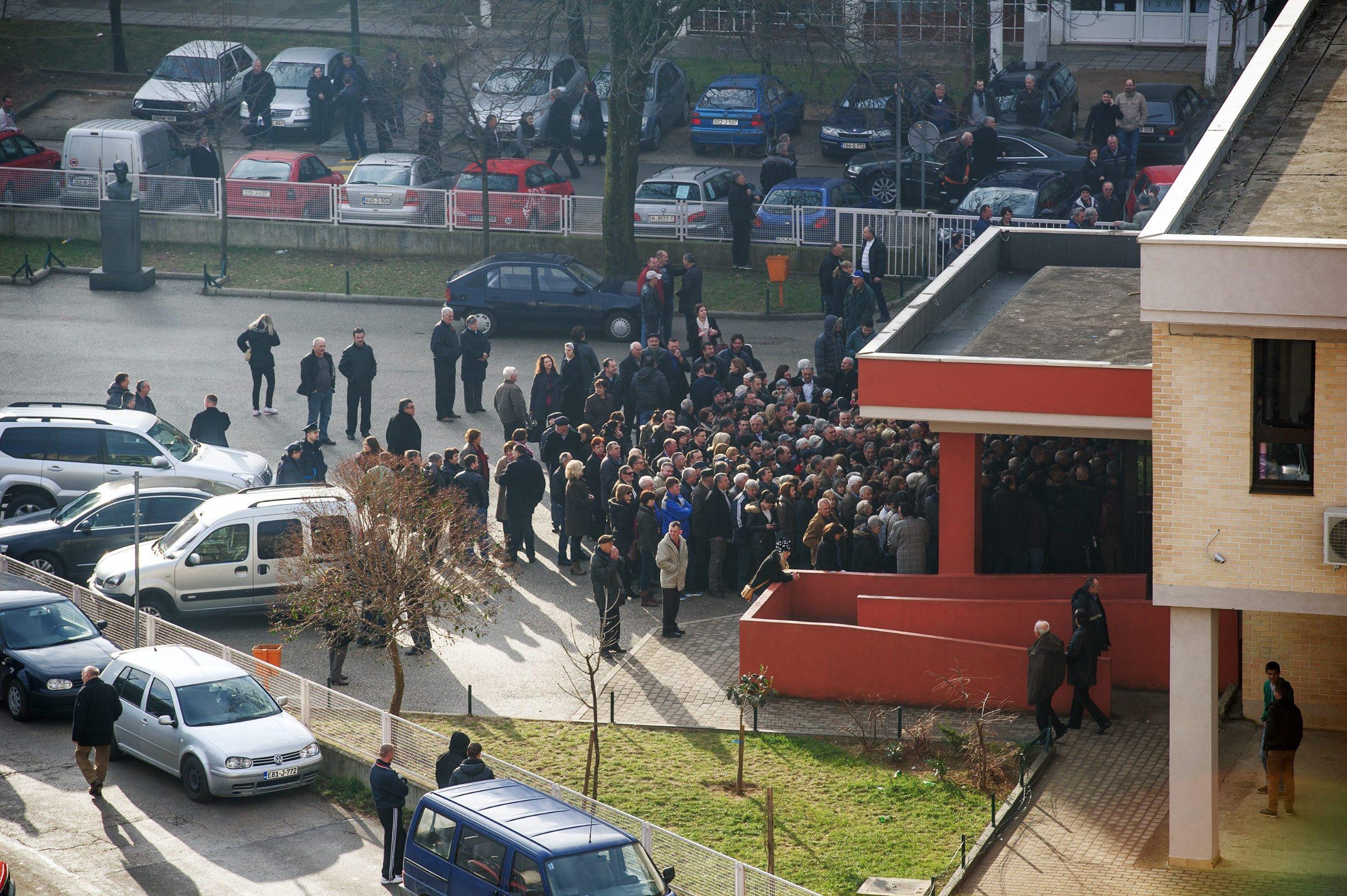 Gužva ispred biračkog mjesta u Mostaru