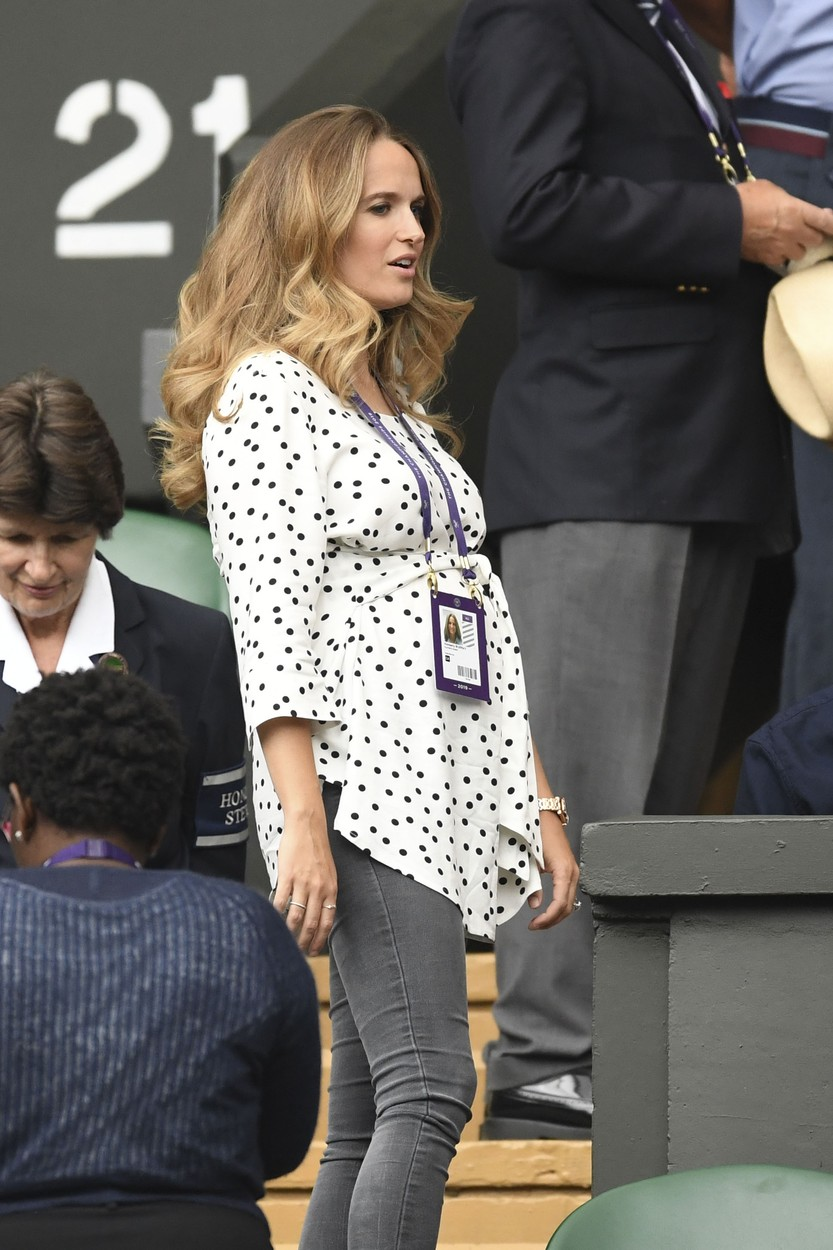 Jul 9, 2019 - Wimbledon, London, United Kingdom - Kim Murray watches Andy Murray on court (Credit Image: © Mark Large/Daily Mail/SOLO Syndication), Image: 456676459, License: Rights-managed, Restrictions: , Model Release: no, Credit line: Mark Large / Solo / Profimedia