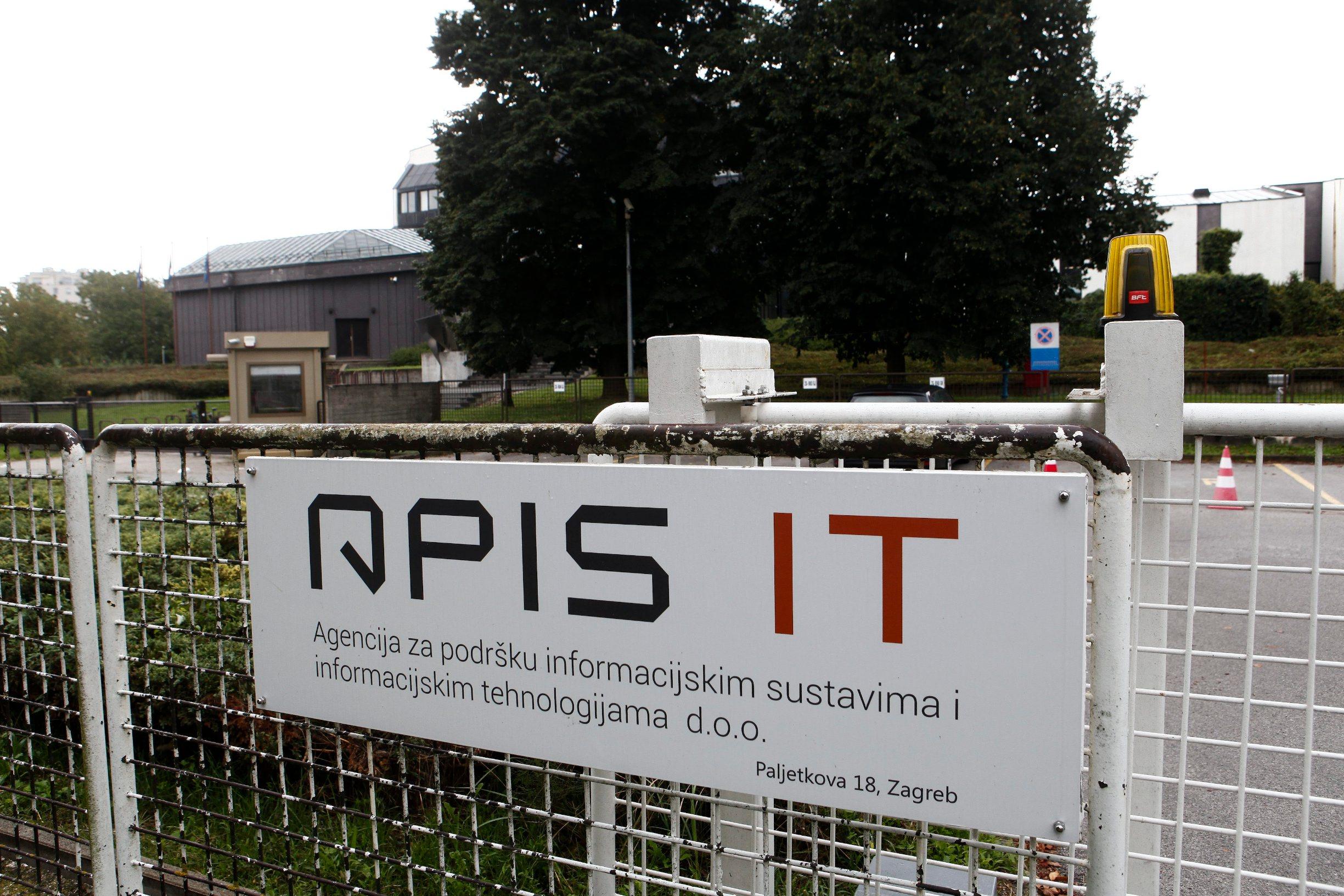 APIS IT