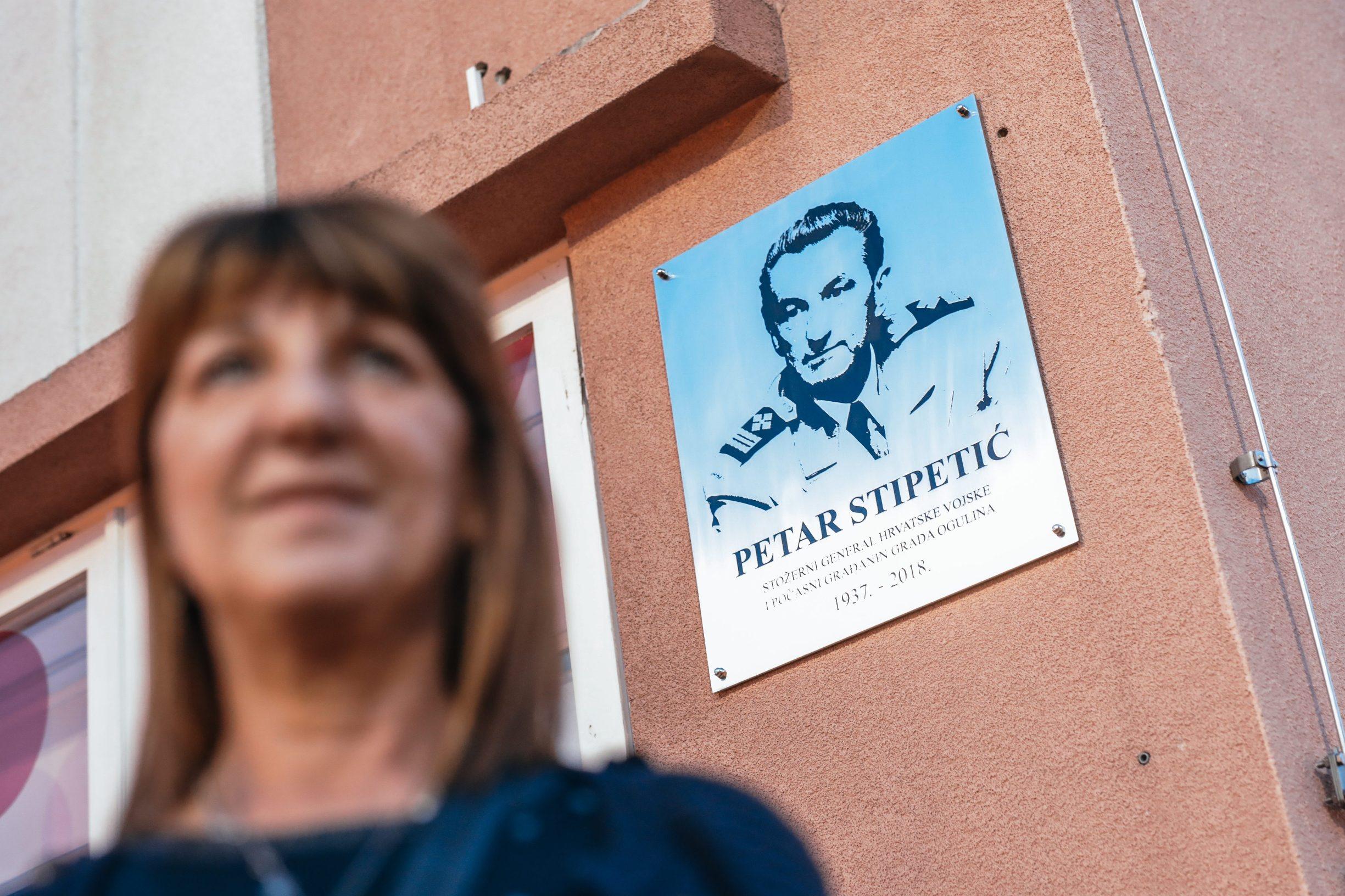 Ogulin, 281019 Reportaza o Ogulinu. Na fotografiji Dubravka Vukovic, glavna urednica i direktorica Radio Ogulina i OG portala. Foto: Danijel Soldo / CROPIX