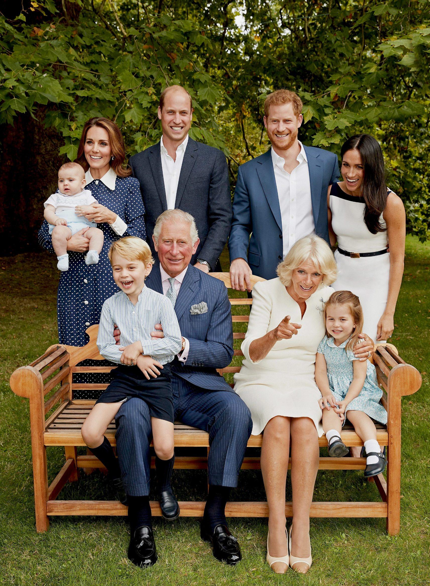 Najuža kraljevska obitelj - Prinčevi William i Harry sa suprugama i djecom, princ Charles i Camilla